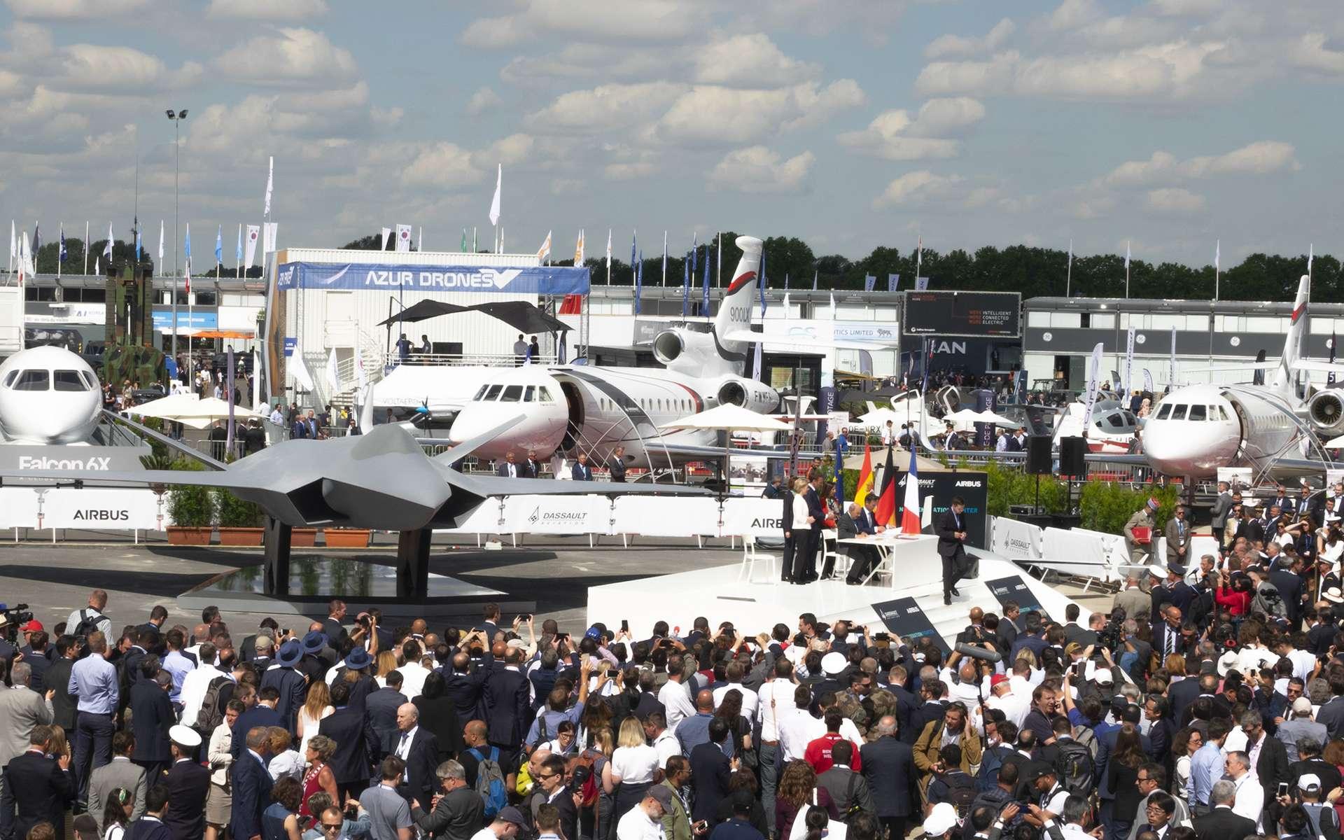 Au Salon du Bourget de 2019, présentation d'une maquette en taille réelle du Scaf (Système de Combat Aérien du Futur) réalisée à partir des travaux de concept et d'architecture de Dassault et Airbus. © Remy Decourt