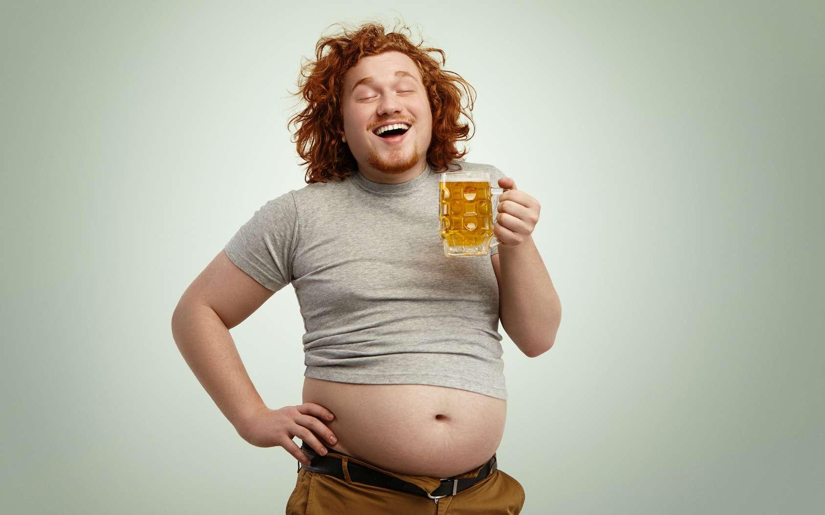 Les hommes grossissent du ventre et les femmes des hanches et des cuisses. Pourquoi ? © Wayhome Studio, Fotolia