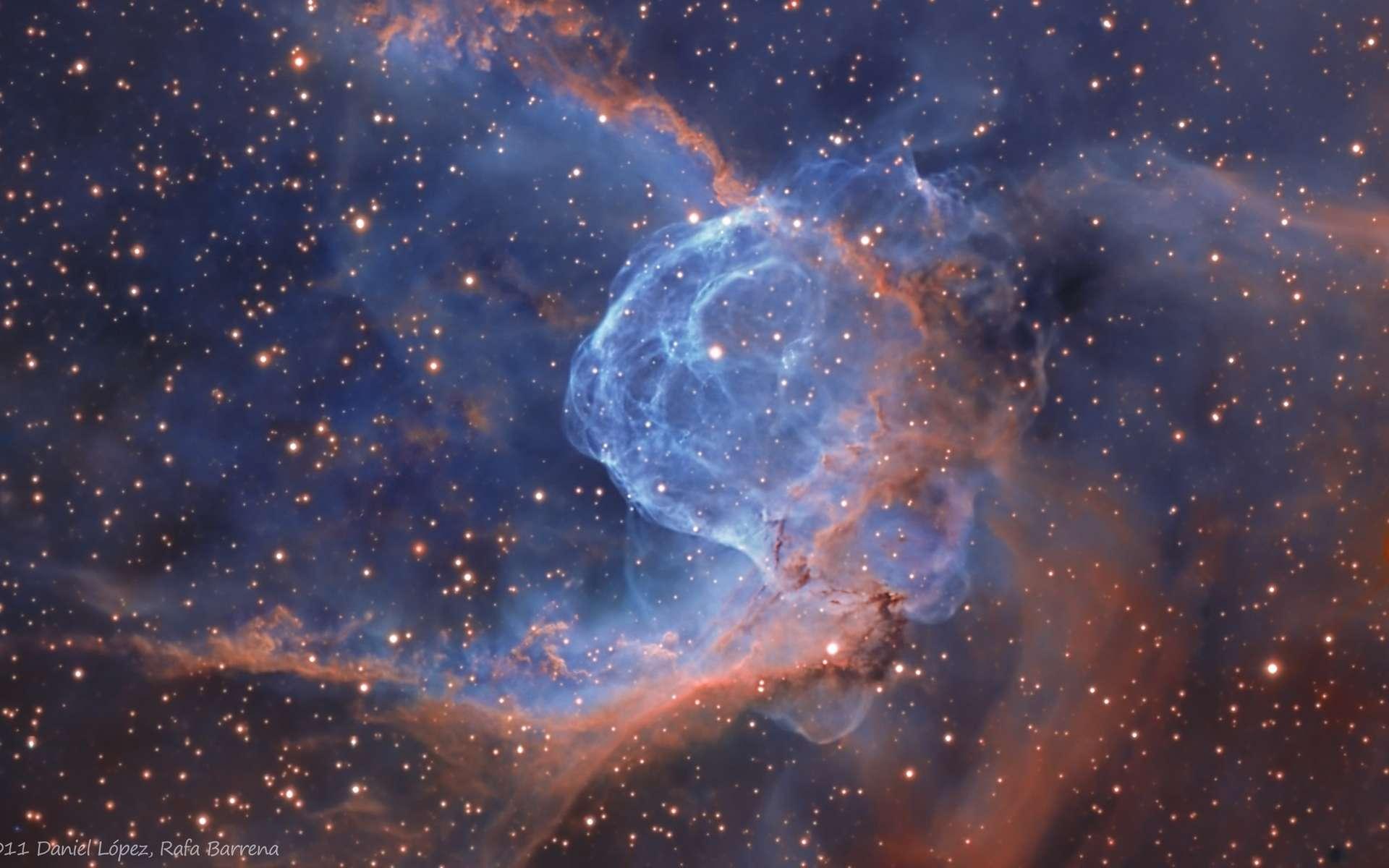 NGC 2359, la nébuleuse du casque de Thor, déploie ses filaments de gaz dans la constellation du Grand Chien. © R. Barrena (IAC)/D. Lopez