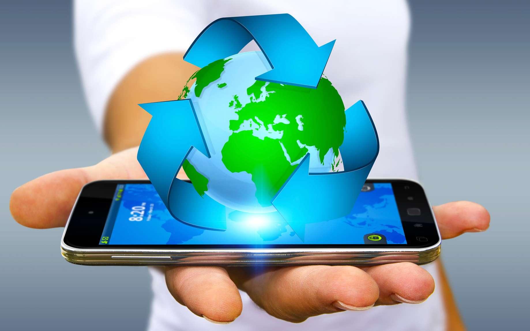 Pensez à recycler votre téléphone au lieu de le jeter. Certaines sociétés sont spécialisées dans la gestion de ces appareils usagés. © sdecoret, fotolia