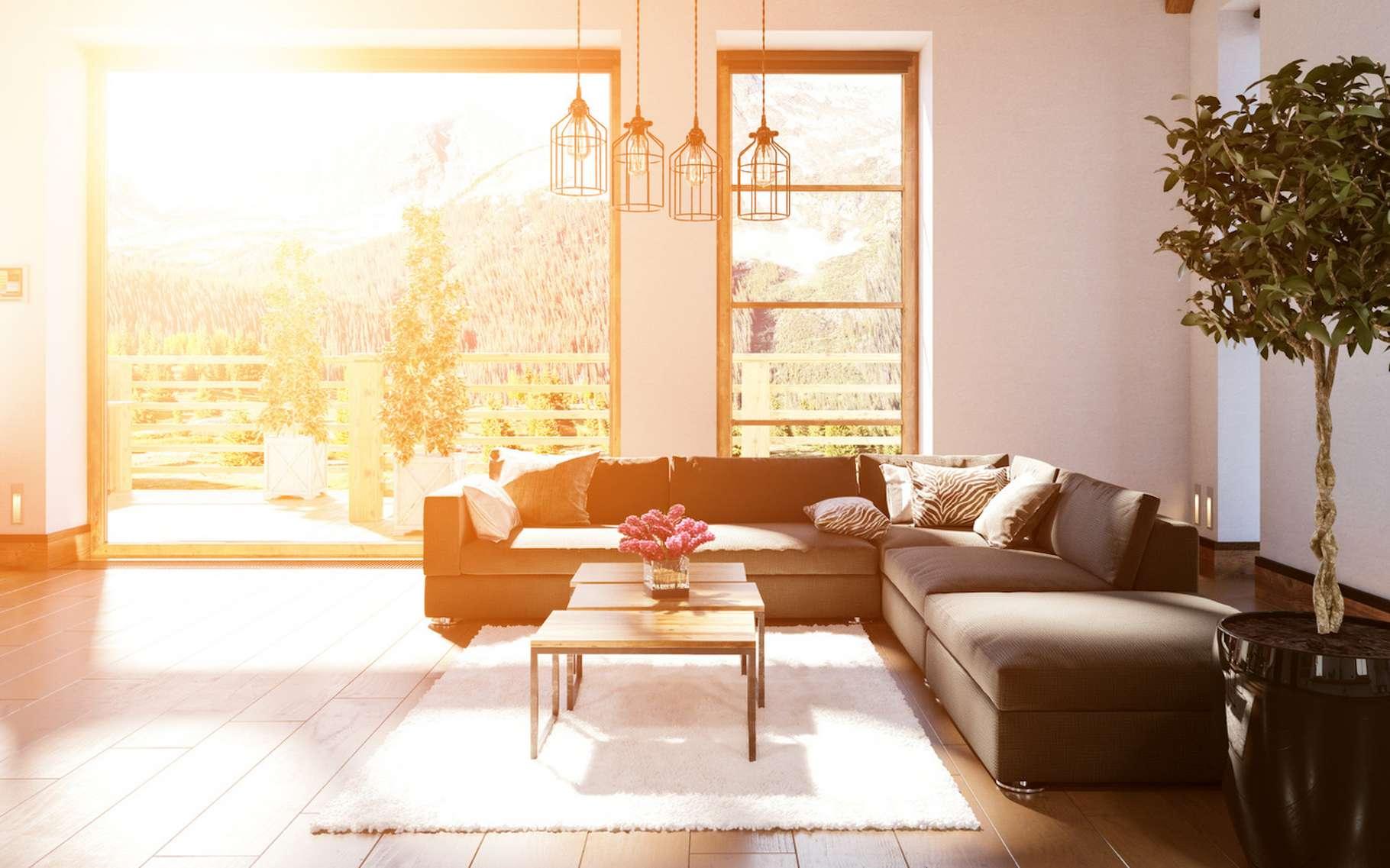 La quantité de lumière naturelle qui entre dans une pièce influence notre perception de la température qui y règne et notre tolérance à la chaleur et au froid. © XtravaganT, Fotolia
