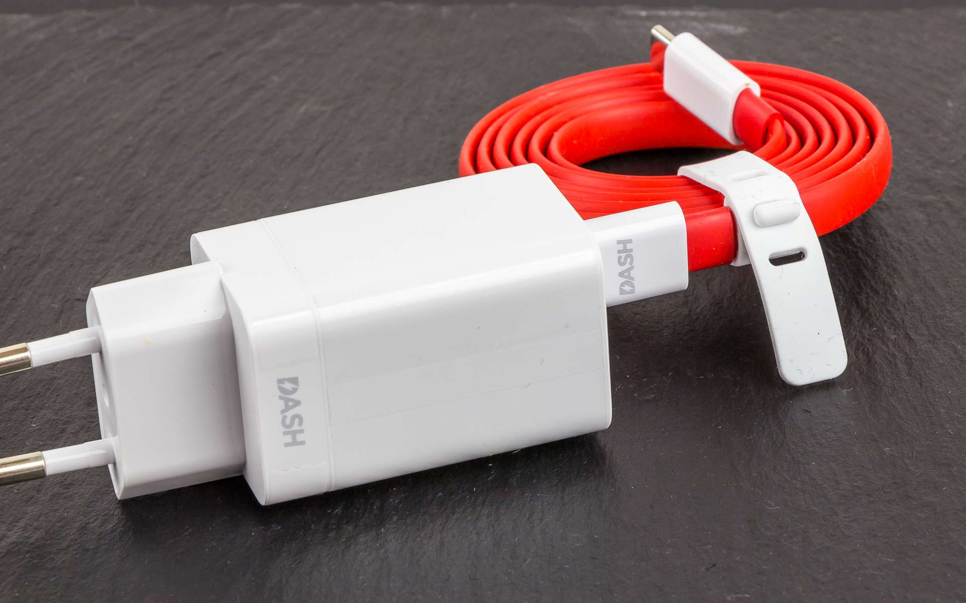Dash Charge pour OnePlus 5. © Raimond Spekking, Wikimedia Commons, CC by-sa 4.0