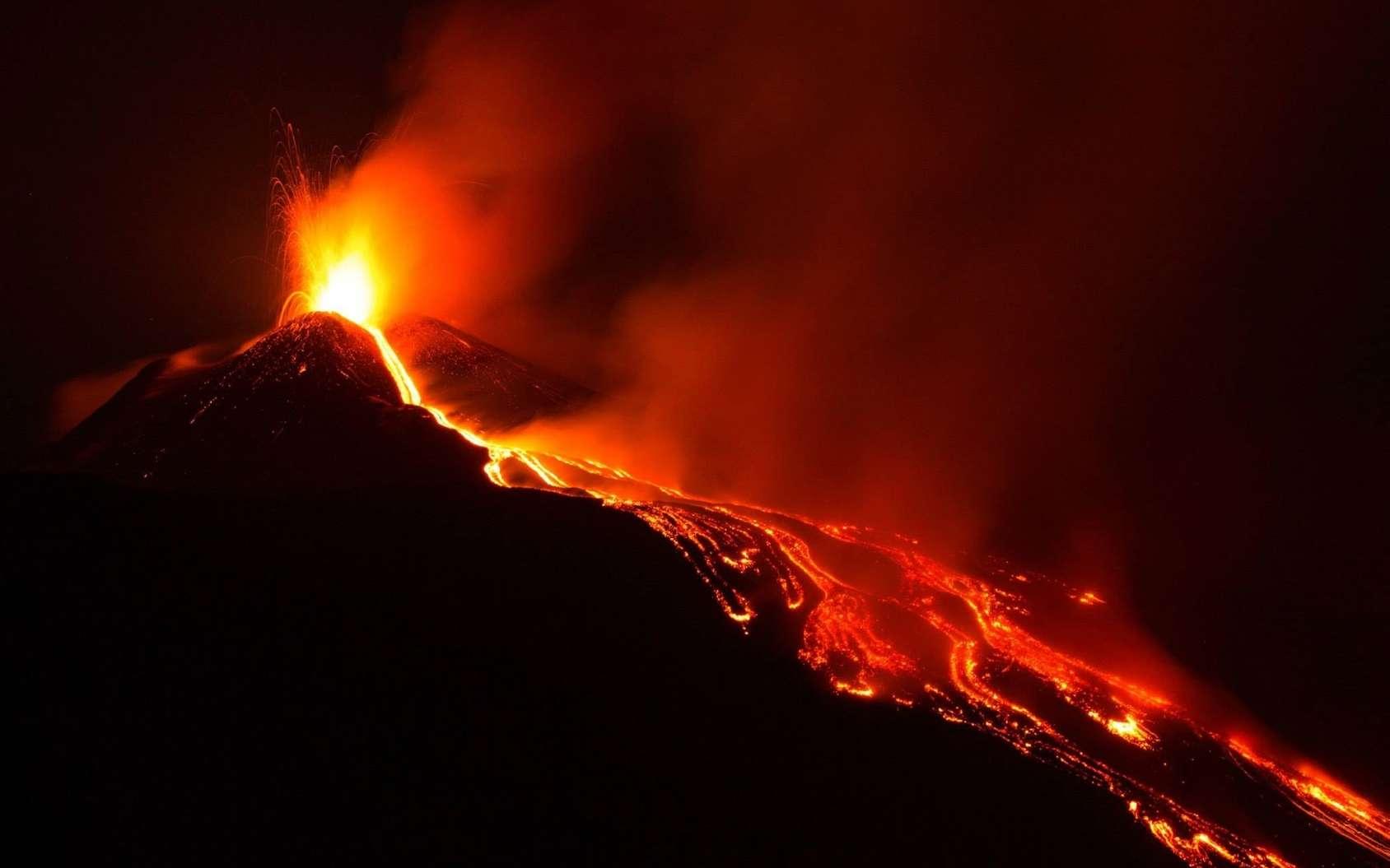 Il est important de connaître les causes des éruptions volcaniques pour prévenir les risques. © Sebastiano, Fotolia