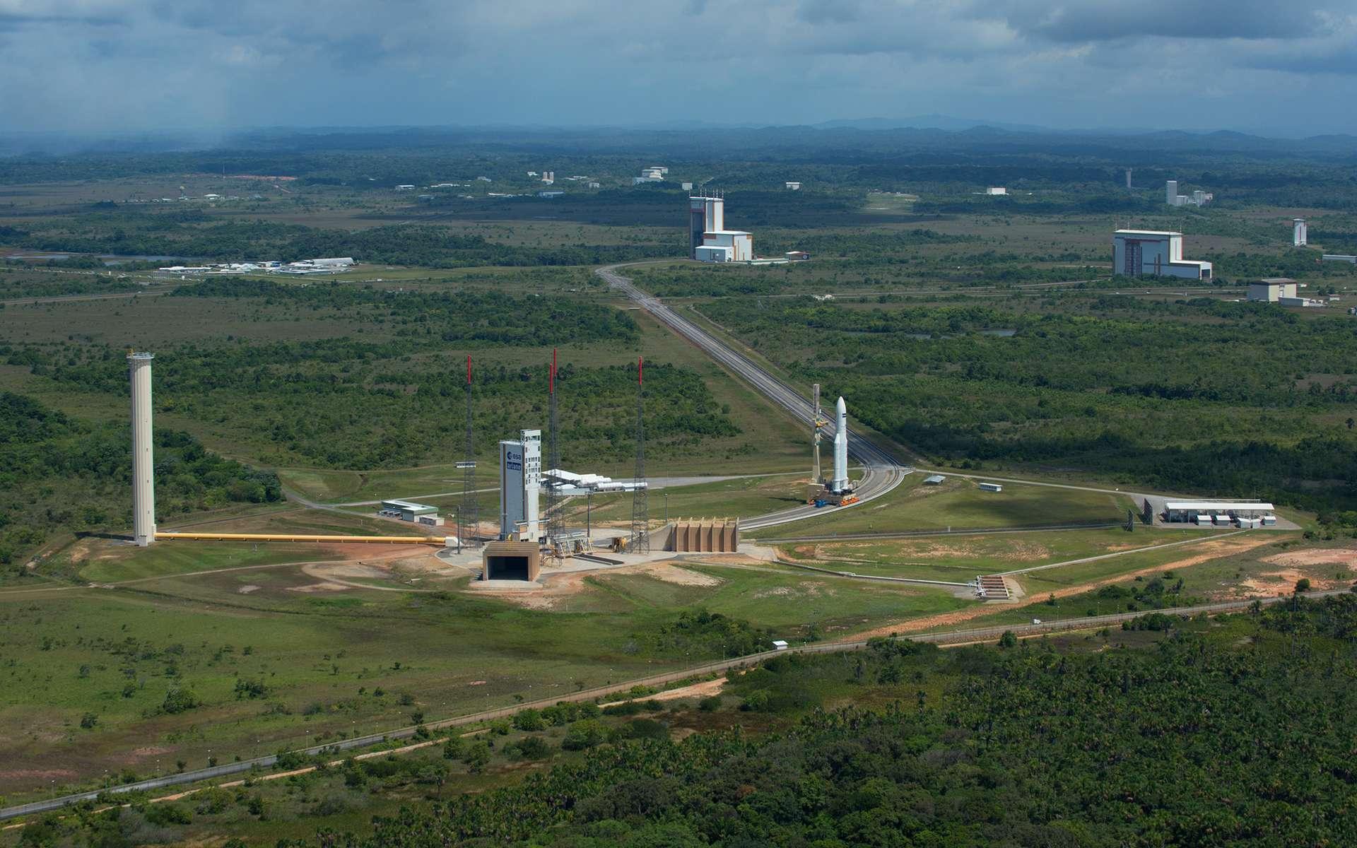Transfert d'une Ariane 5 sur son pas de tir (ELA-3) du Centre spatial Guyanais. © Esa, S. Corvaja