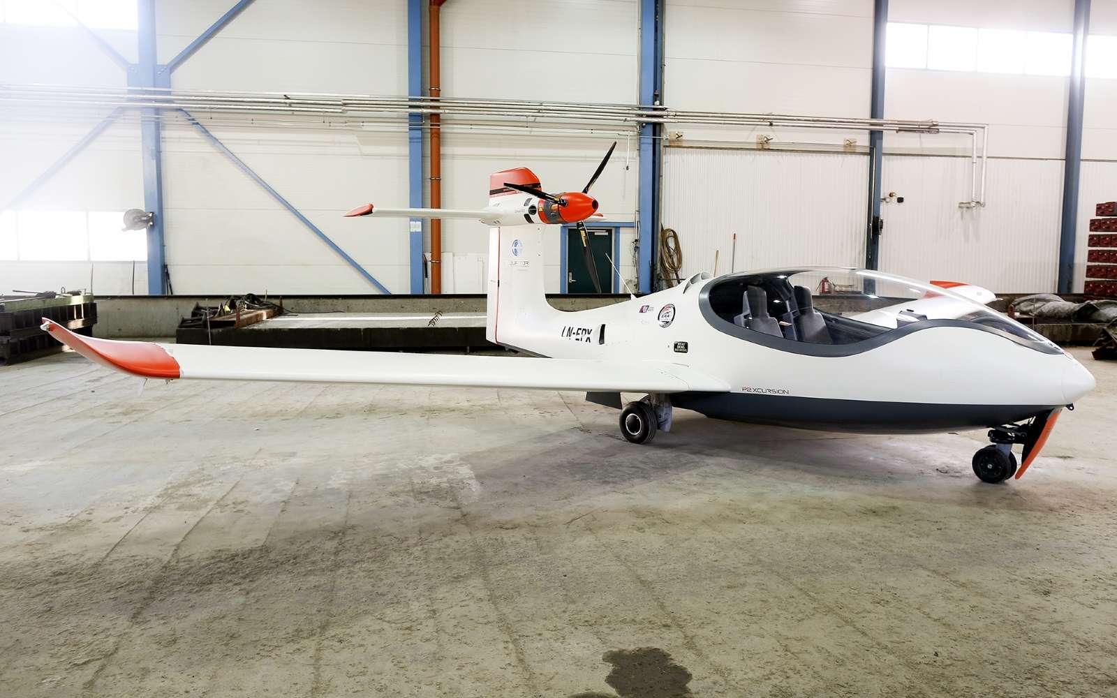 Le P2 peut voler à une vitesse de croisière de 220 km/h avec une masse maximale de 750 kg. Son autonomie sur ses seules batteries plafonne pour le moment à 35 minutes. © Equator Aircraft