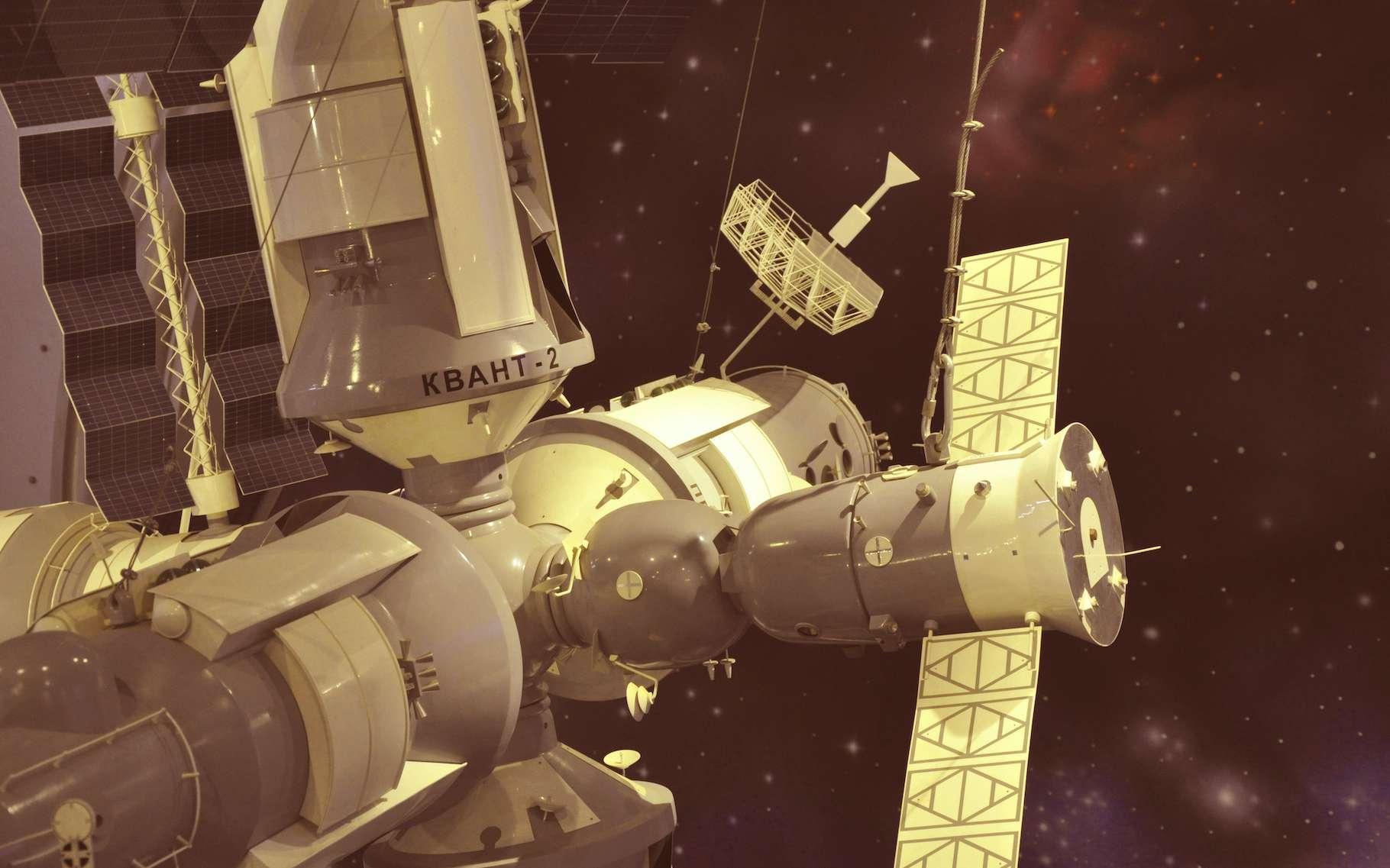 La station spatiale soviétique MIR a été désorbitée avec succès en mars 2001. © Александр Байдук, Adobe Stock