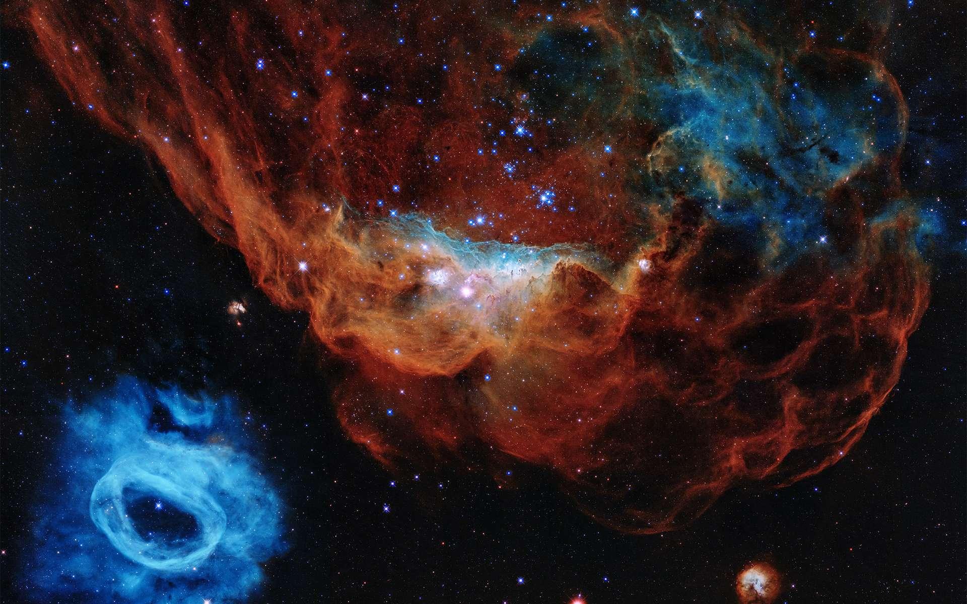 NGC 2014 et sa voisine NGC 2020, qui forment une vaste région de formation d'étoile, sont les deux objets choisis pour les 30 ans d'Hubble. © Nasa, ESA, and STScI