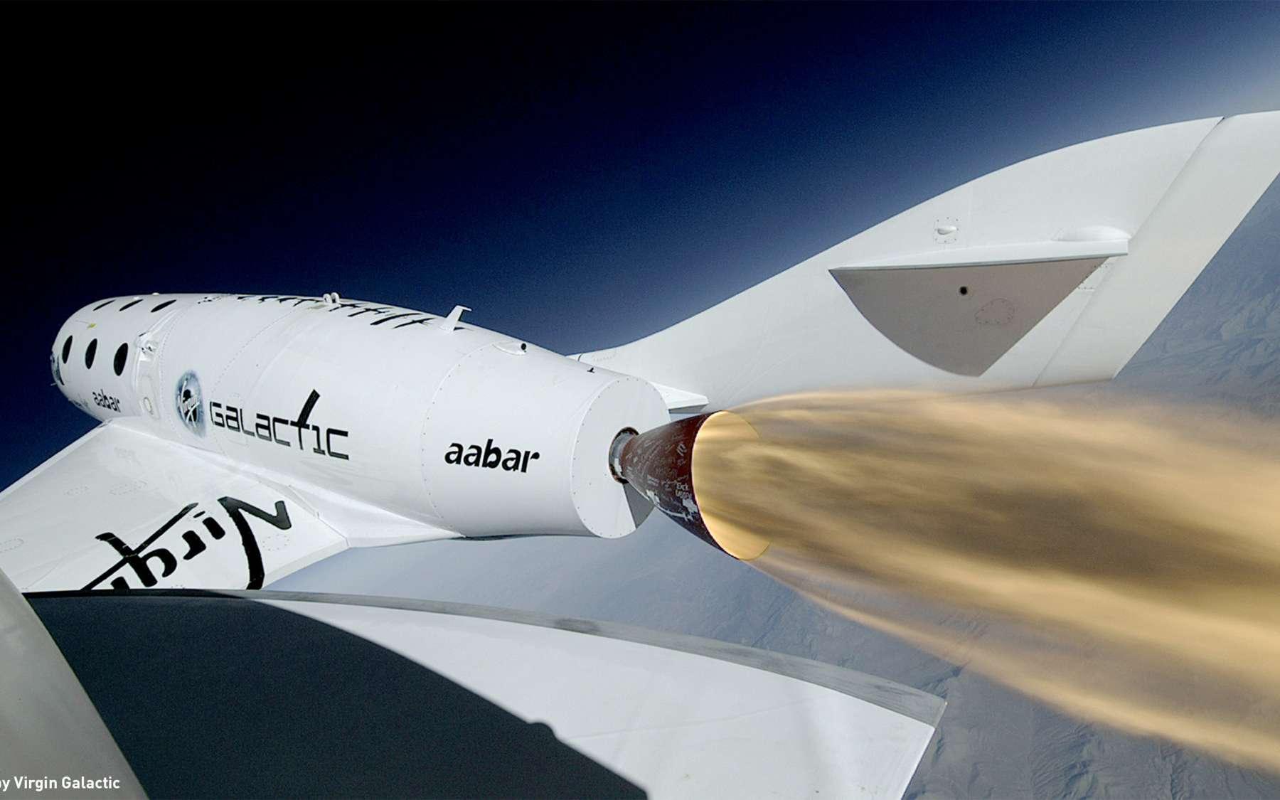 Malgré un premier essai en vol prometteur, le développement du SpaceShipTwo accumule un retard, ce qui reporte au-delà de 2015 l'ouverture du service commercial. © Virgin Galactic