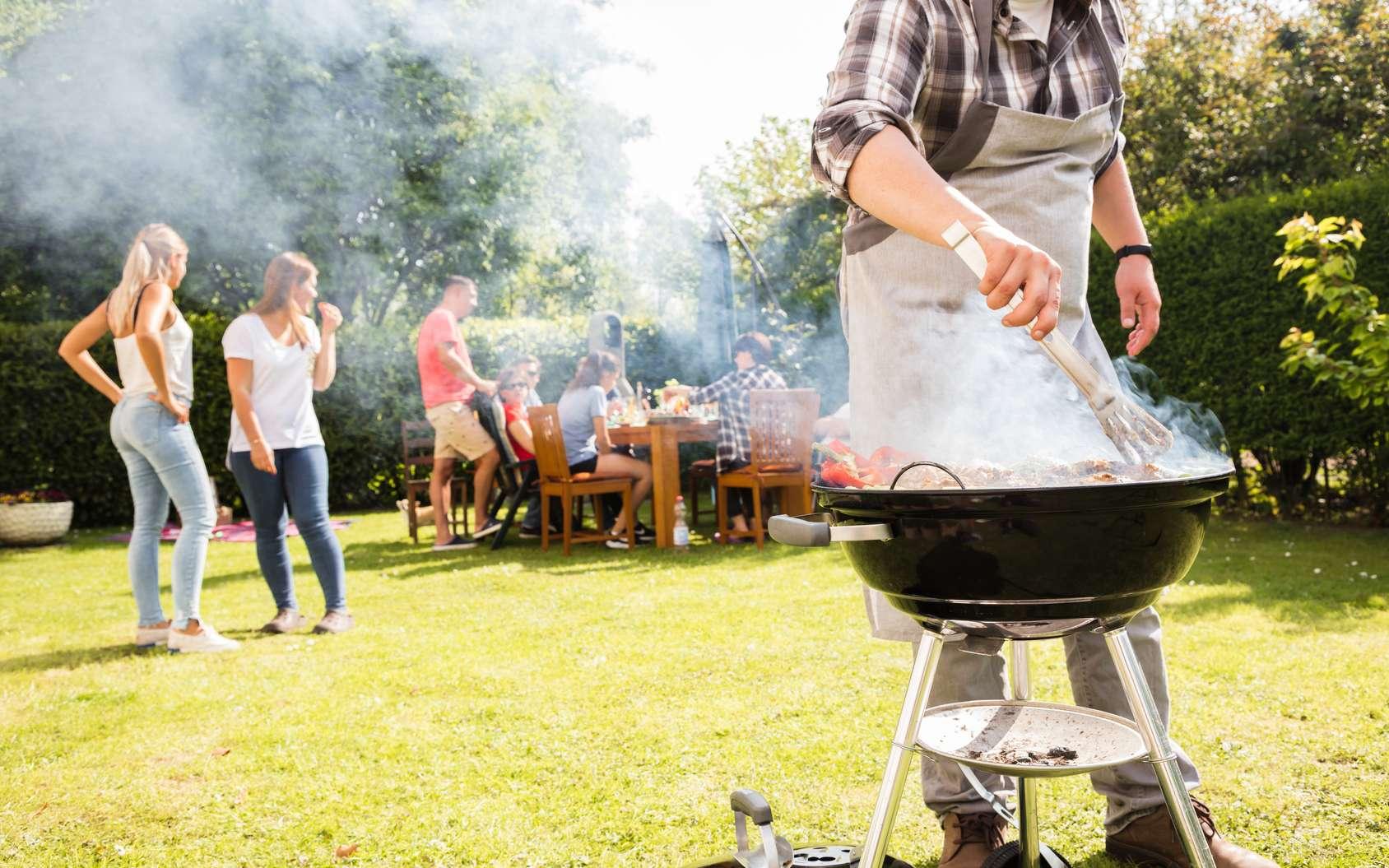 Vous réalisez un barbecue ? Voici quelques conseils pour ne pas gâcher la fête. © Karepa, Fotolia