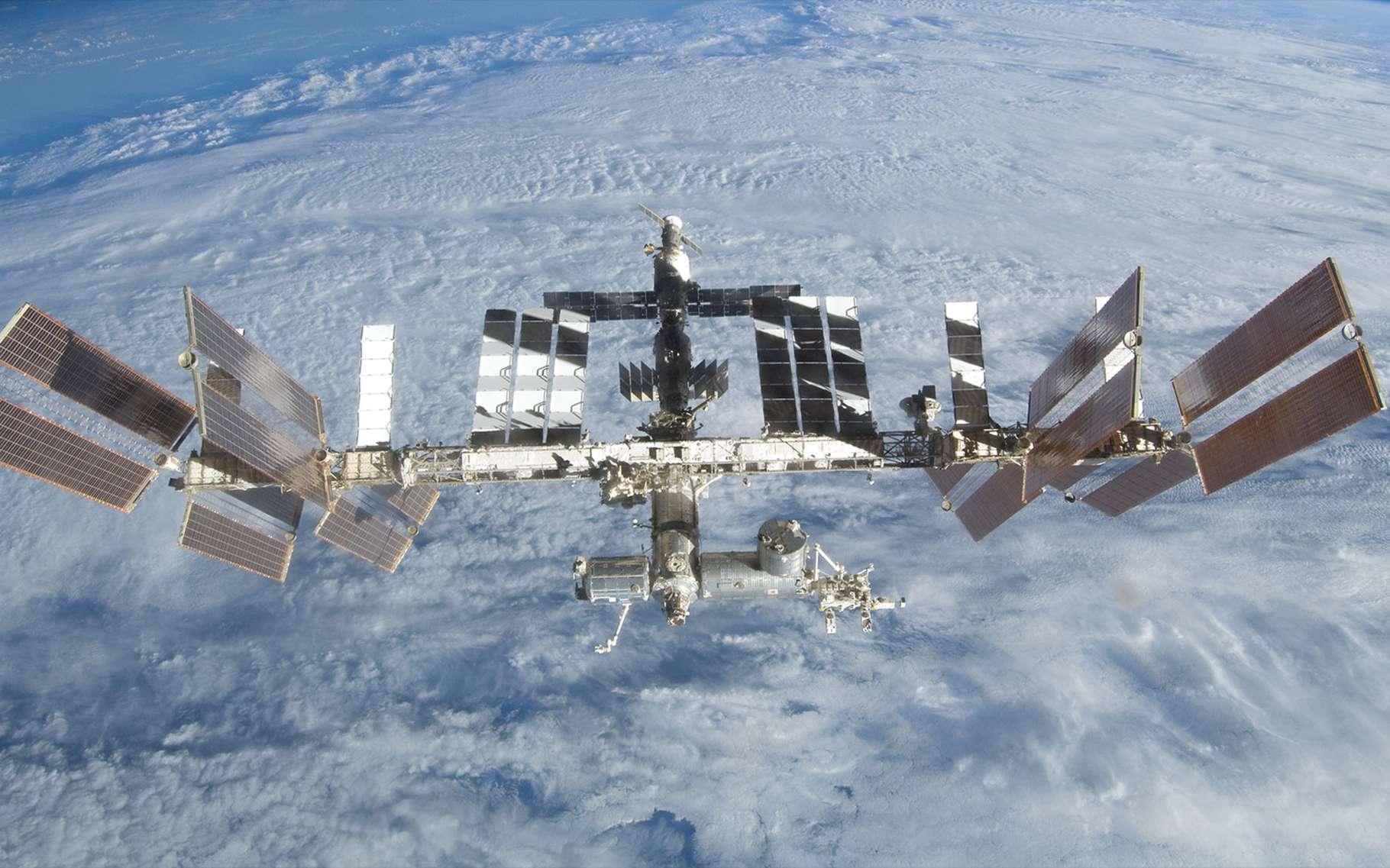 Depuis 1998, quelque 40 missions d'assemblages auront été nécessaires pour terminer la construction de la Station spatiale. D'ici à sa fin de vie, d'autres modules seront installés, dont un laboratoire russe équipé du bras robotique ERA de l'ESA. © Nasa