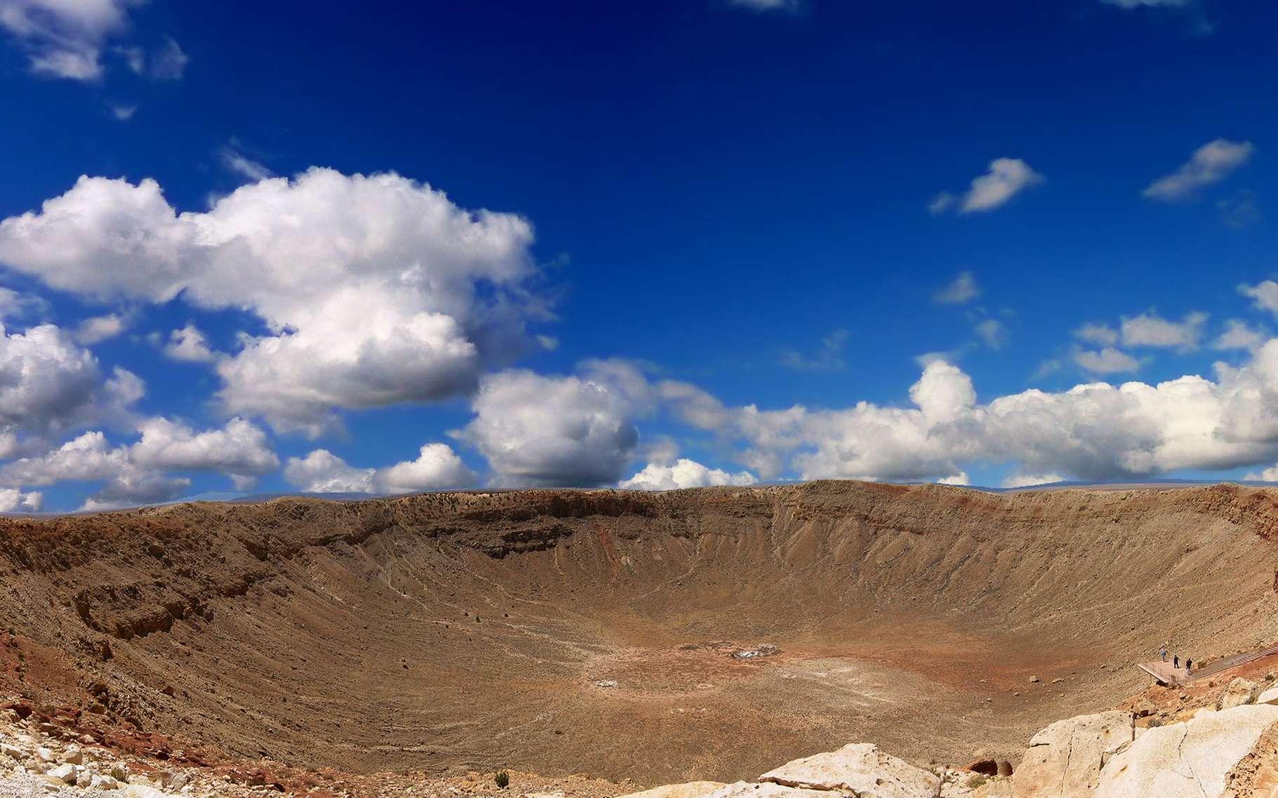 Formées dans le jeune Système solaire, les météorites, textuellement les « pierres tombant du ciel », abritent de précieux indices sur l'histoire des planètes. © DR