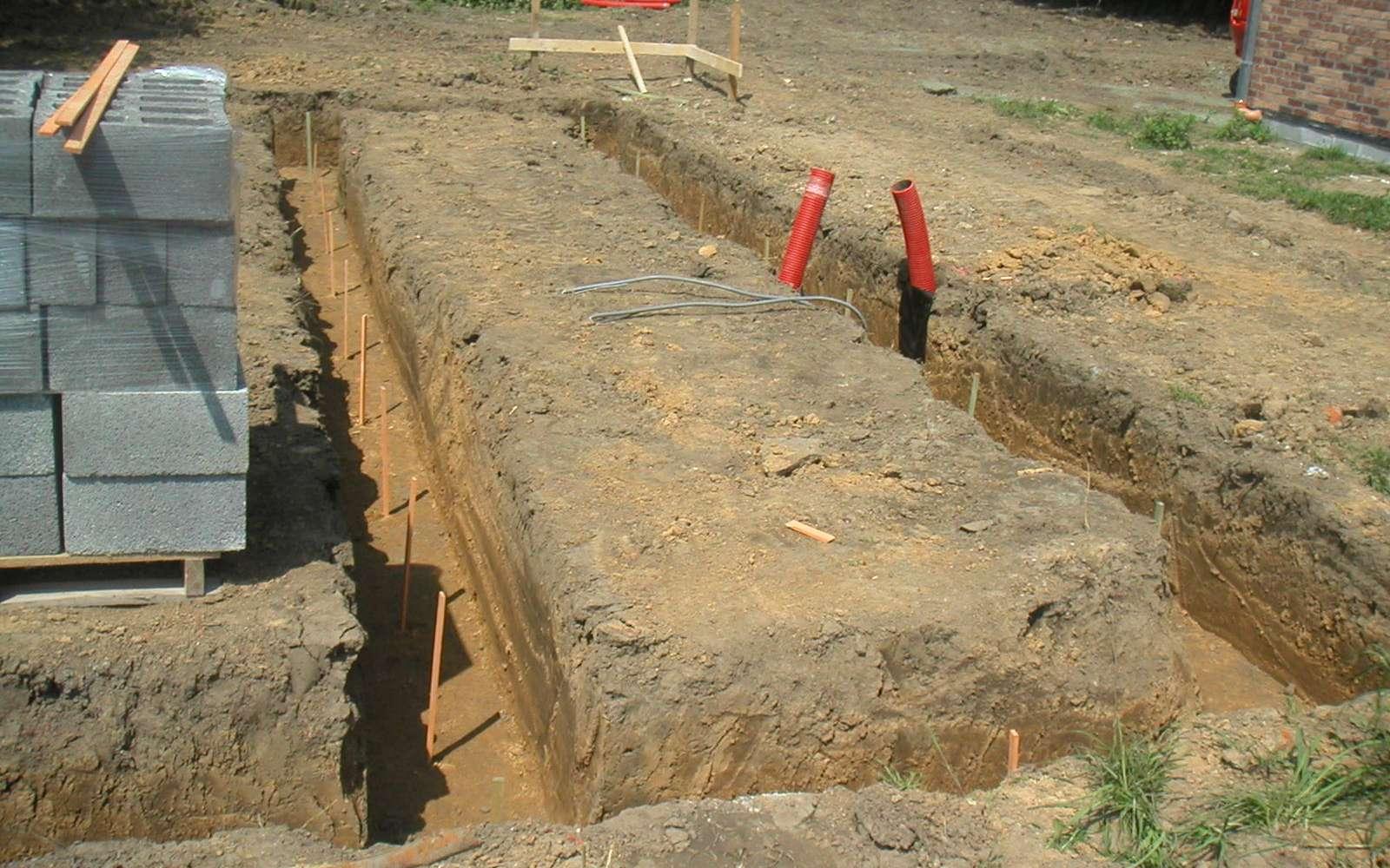 La maçonnerie enterrée comprend la construction des fondations d'un bâtiment. © Sophie Lenaerts et Cédrid Simon, CC BY-NC-SA 2.0, Flickr