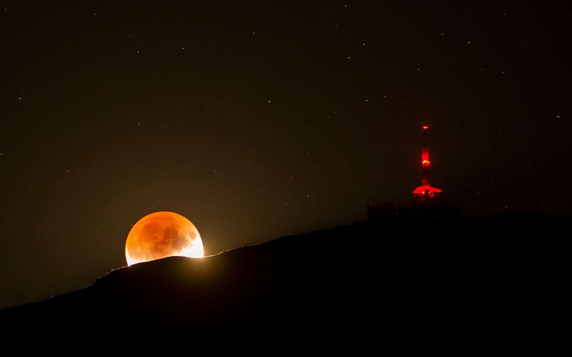 L'éclipse de Lune partielle du 16 juillet 2019 dans le Tyrol. © Norbert Span, Apod