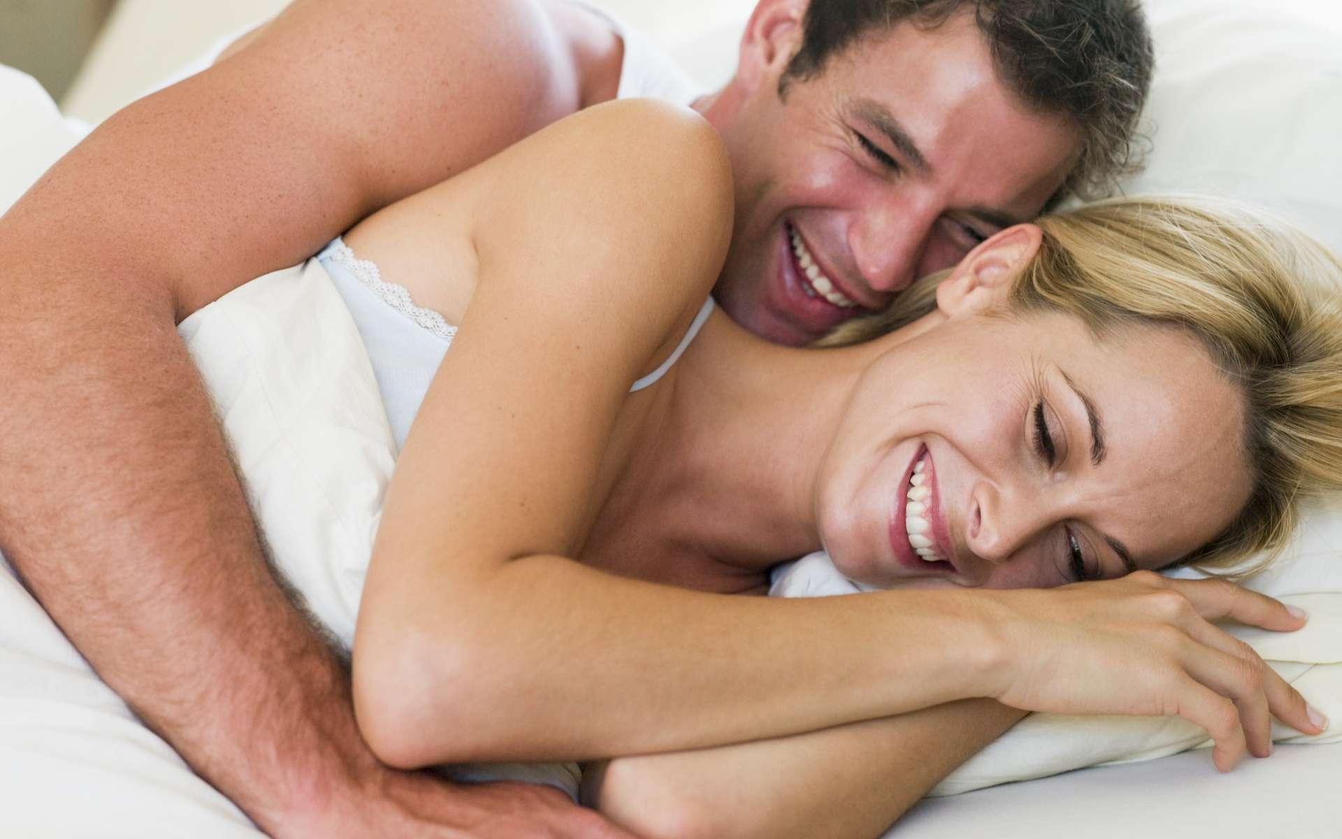 La testostérone est l'hormone clé du désir chez l'homme. Chez la femme aussi mais les œstrogènes influenceraient également la libido. Les scientifiques distinguent le désir sexuel « spontané », en relation avec des stimuli affectifs, fantasmatiques et cognitifs et le désir sexuel « réactif », en réponse à l'excitation physique. © Phovoir