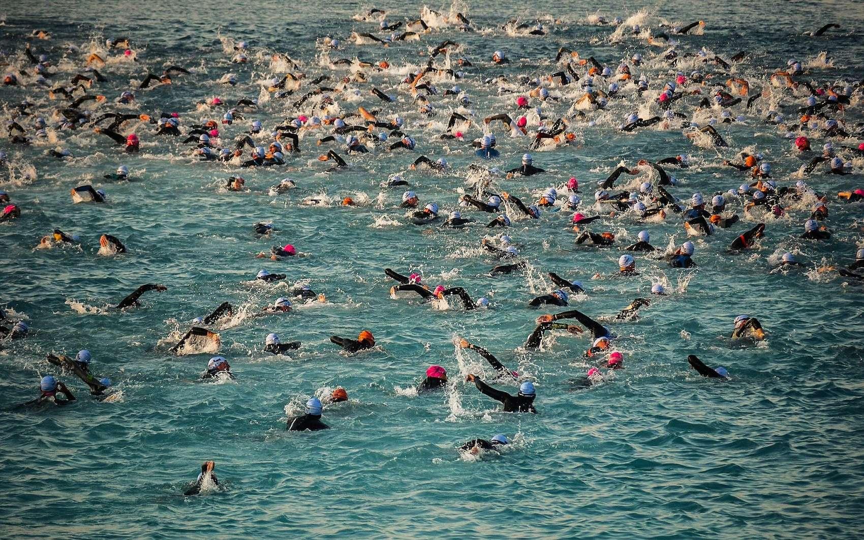 Le triathlon Ironman a été créé à Hawaï en 1978. © Fatherofsa, Pixabay