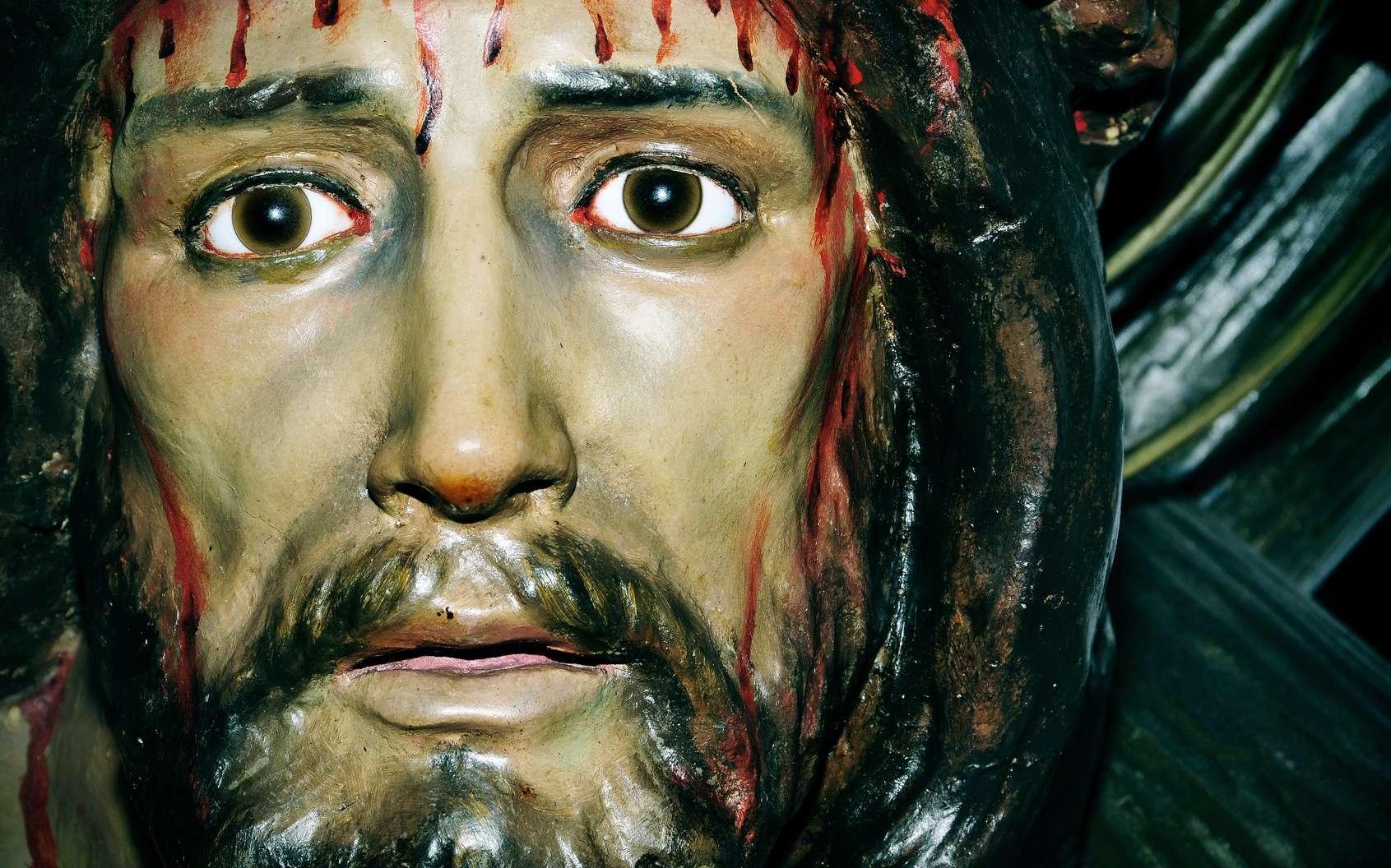 L'hématidrose intrigue les médecins depuis des siècles. Elle a été proposée comme argument pour justifier l'impression du visage du Christ sur le « voile de Véronique ». © nito, Fotolia