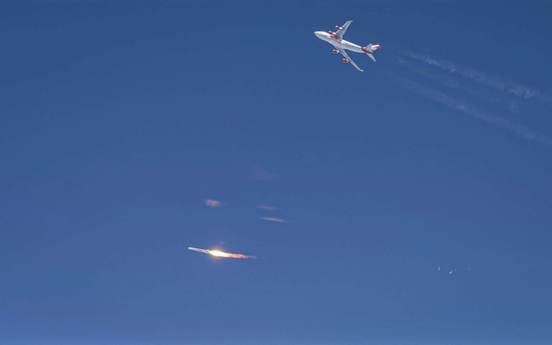 Malgré la séparation réussie du lanceur avec son avion porteur, le premier lancement aéroporté de Virgin Orbit est un échec. Le lanceur a vraisemblablement dysfonctionné seulement quelques minutes après cette séparation, voire au moment de l'allumage de son moteur. © Virgin Orbit