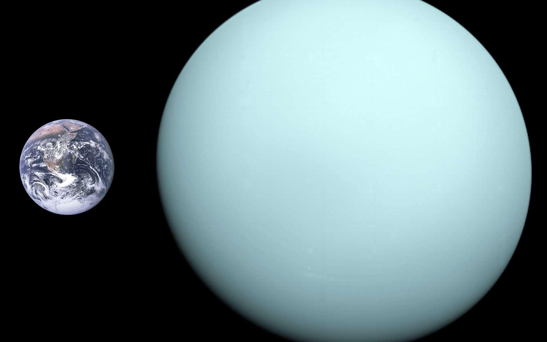 La Terre et Uranus à la même échelle. Uranus est 4 fois plus grande que la Terre soit 63 fois en volume mais sa masse n'est que 14,5 fois plus importante du fait de sa faible densité. © NASA