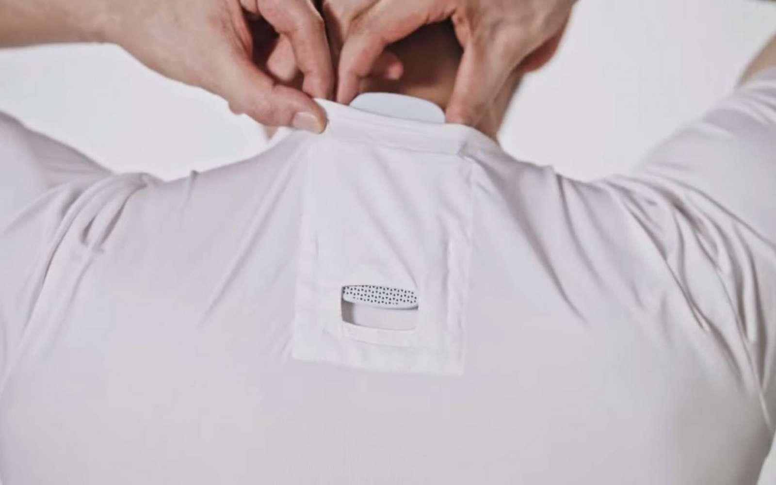 Disponible en tailles S, M et L, le T-Shirt et le boîtier sont vendus aux alentours de 100 euros. © Sony