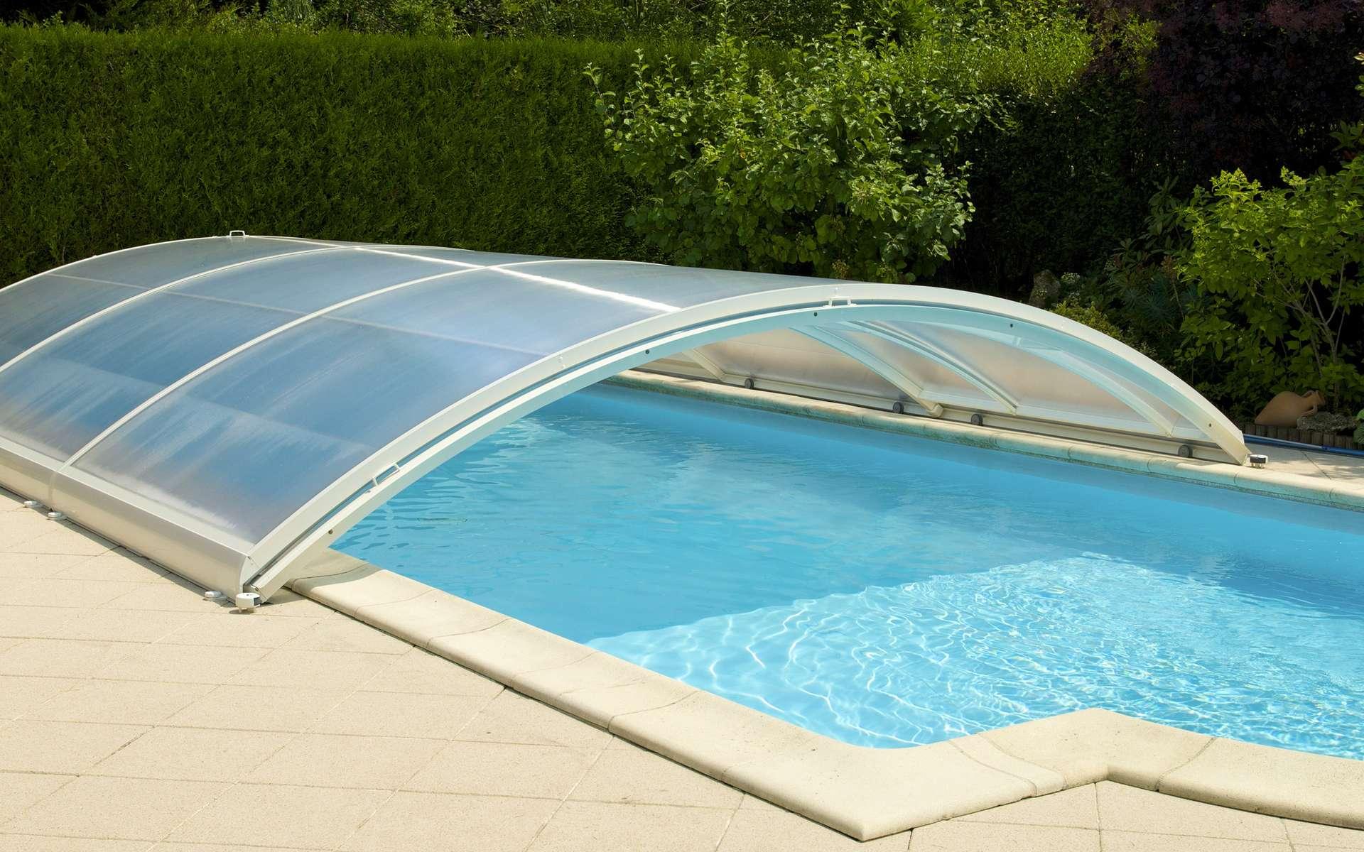 Abri de piscine © AlcelVision, AdobeStock