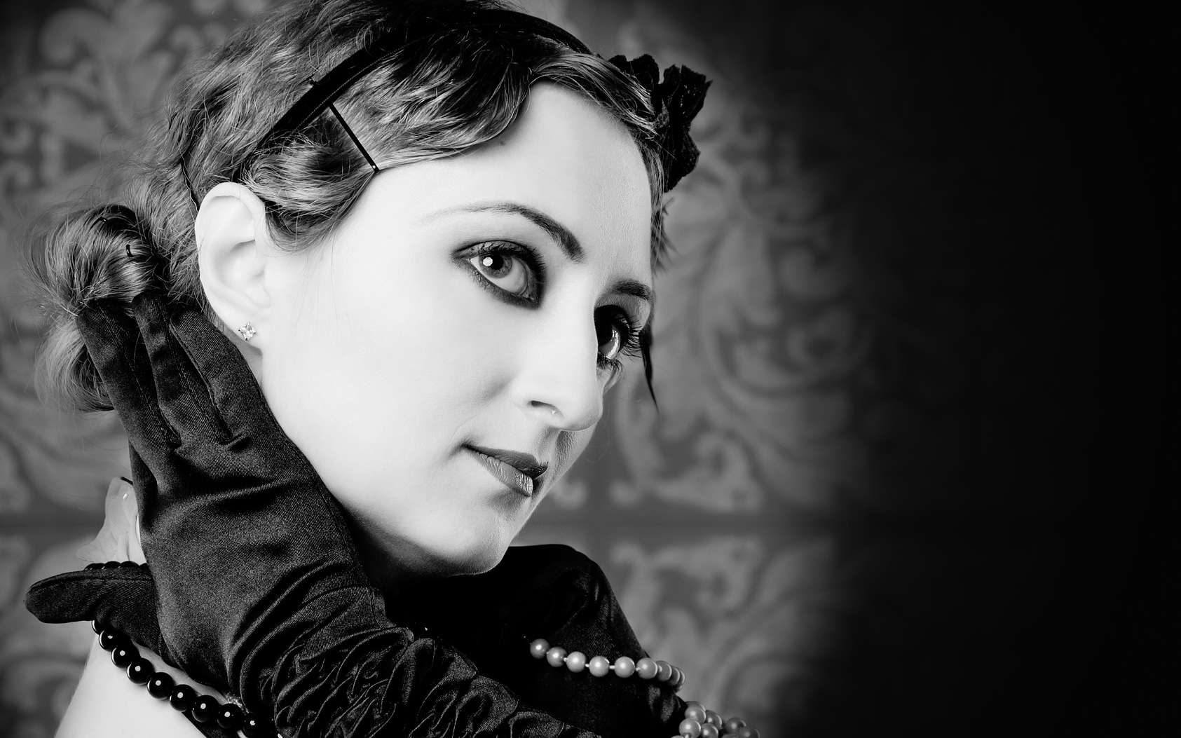 Portrait de femme dans les années 1920 surnommées les Années folles. © irendik, fotolia