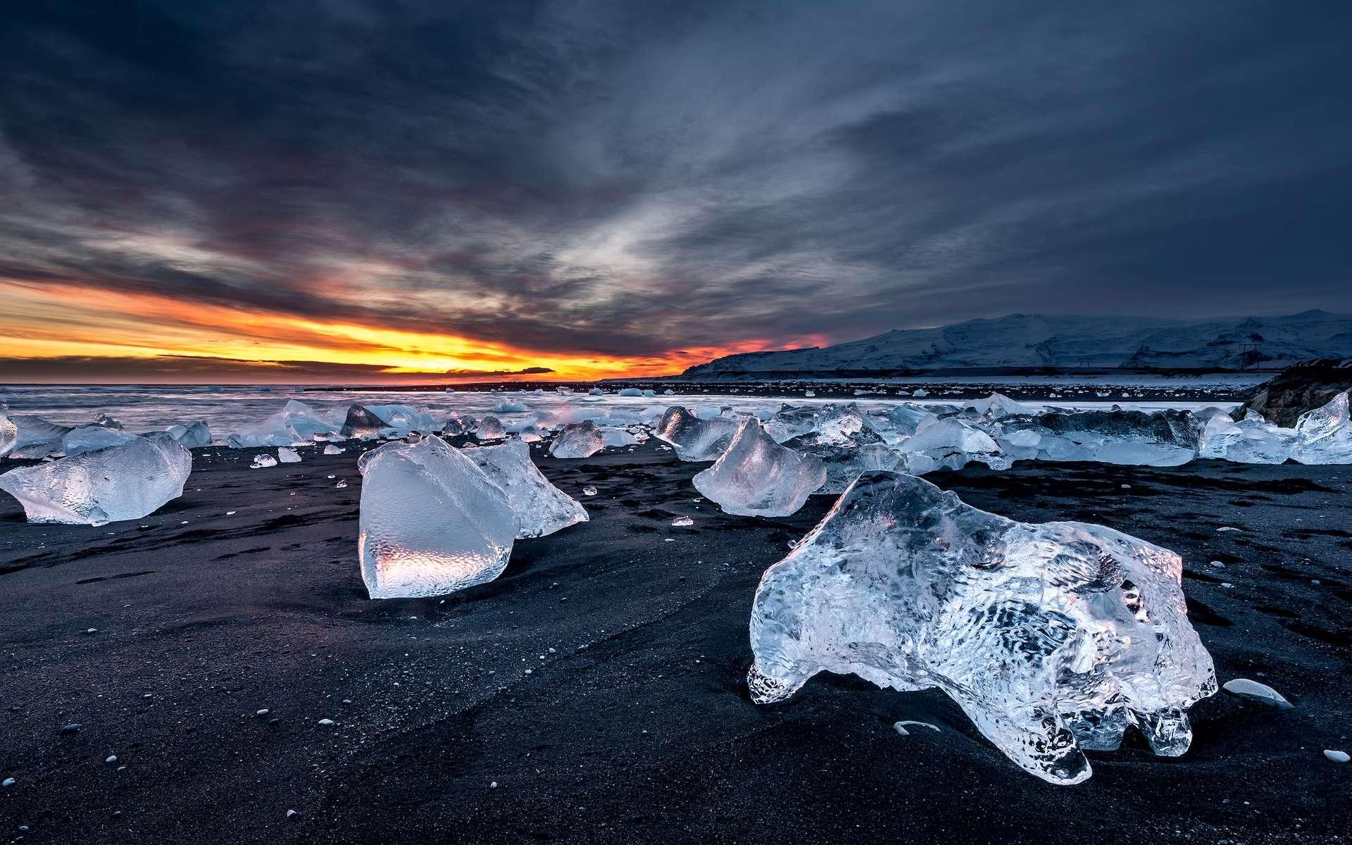 En Arctique comme ailleurs, les étendues gelées reculent. © surangaw, Adobe Stock