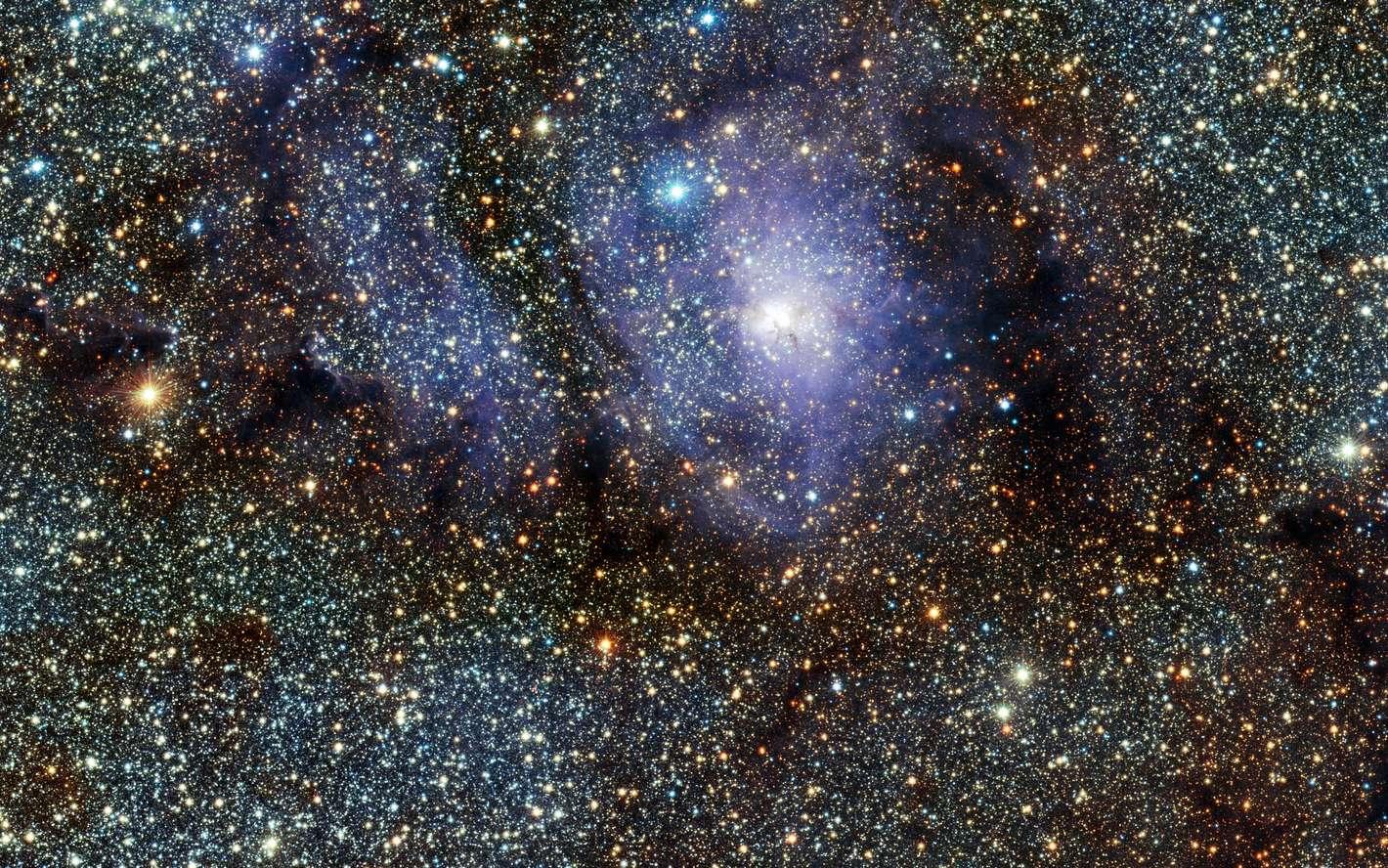 La nébuleuse de la Lagune, une pouponnière stellaire qui révèle en infrarouge les différentes étapes de la naissance des étoiles. © ESO/VVV
