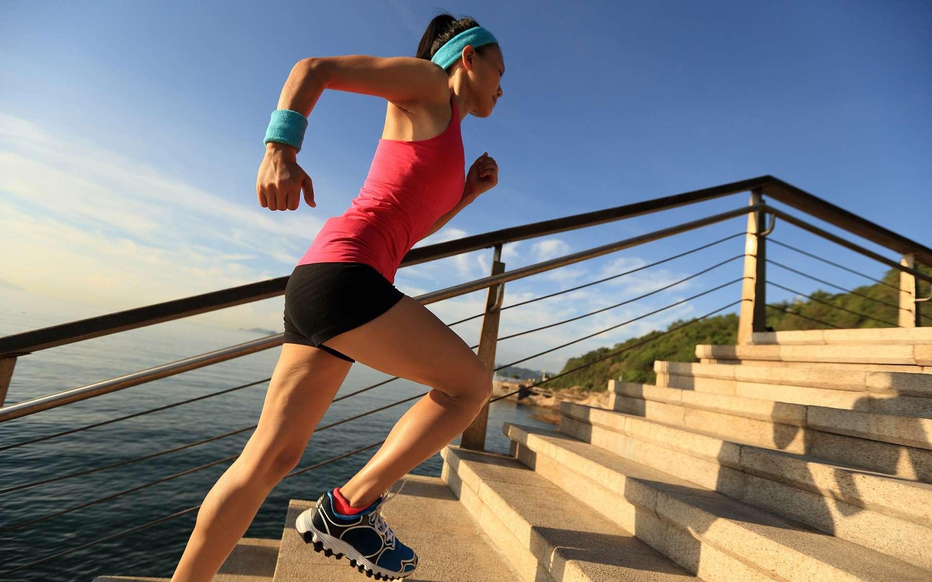 Dix minutes de sport avec des sprints courts valent cinquante minutes d'activité plus modérée. © lzf, Shutterstock