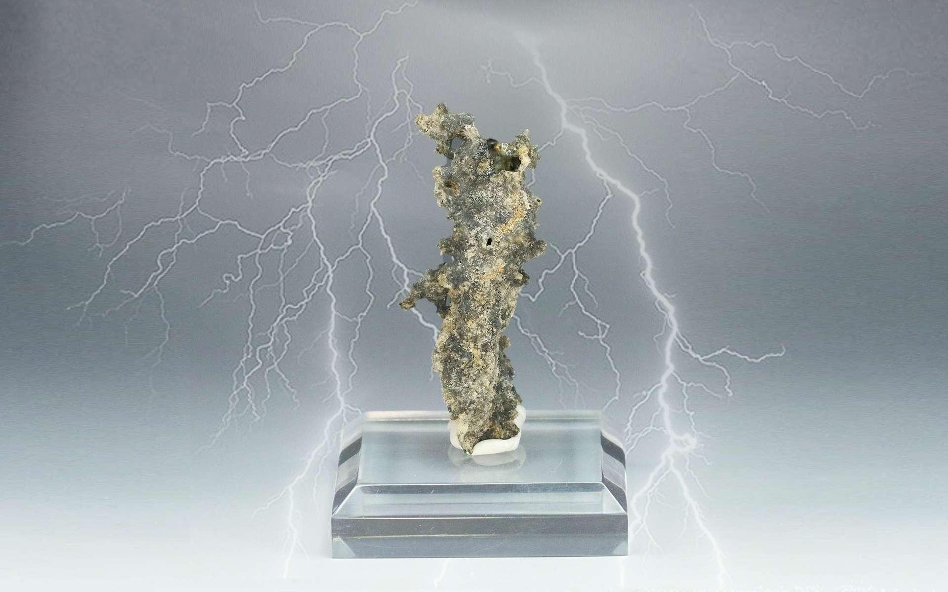 Fulgurite : la pierre de foudre. © Science Mall