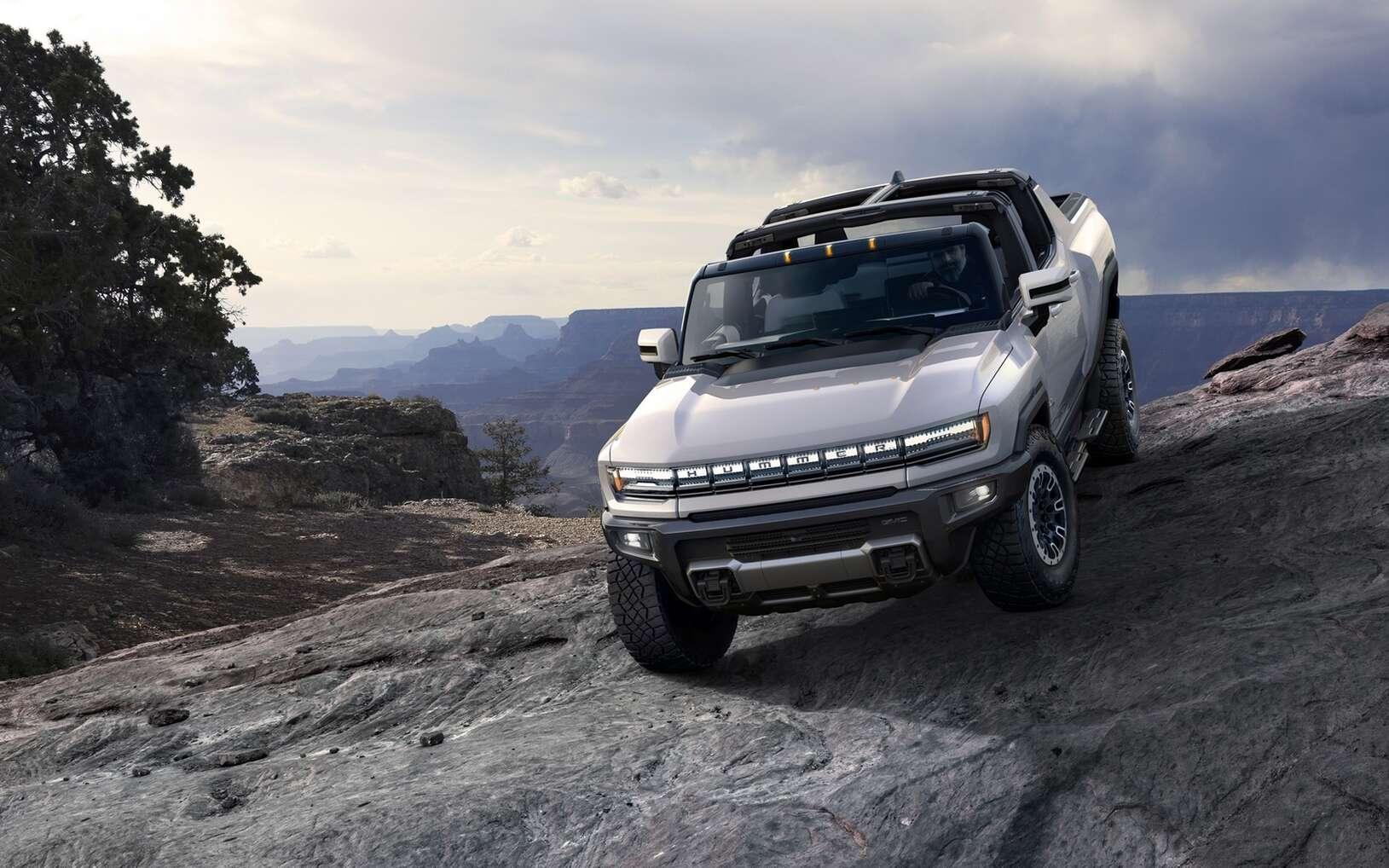 Le Hummer EV est esthétiquement très proche du Hummer à essence produit dans les années 1990. © General Motors