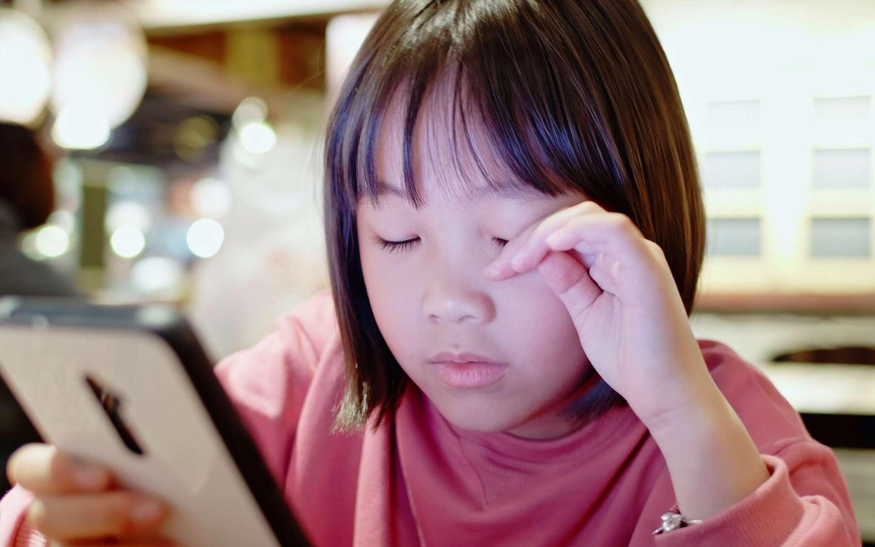 Le manque de sommeil favorise la myopie. © ryanking999, Adobe Stock