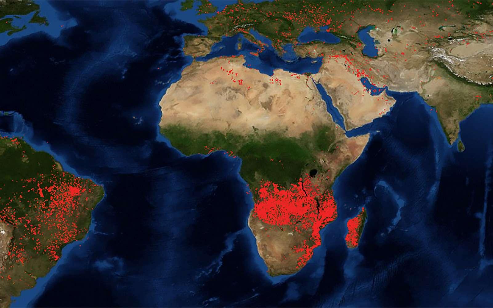 Les incendies observés par la Nasa au 27 août, sur les dernières 24 heures. © Nasa