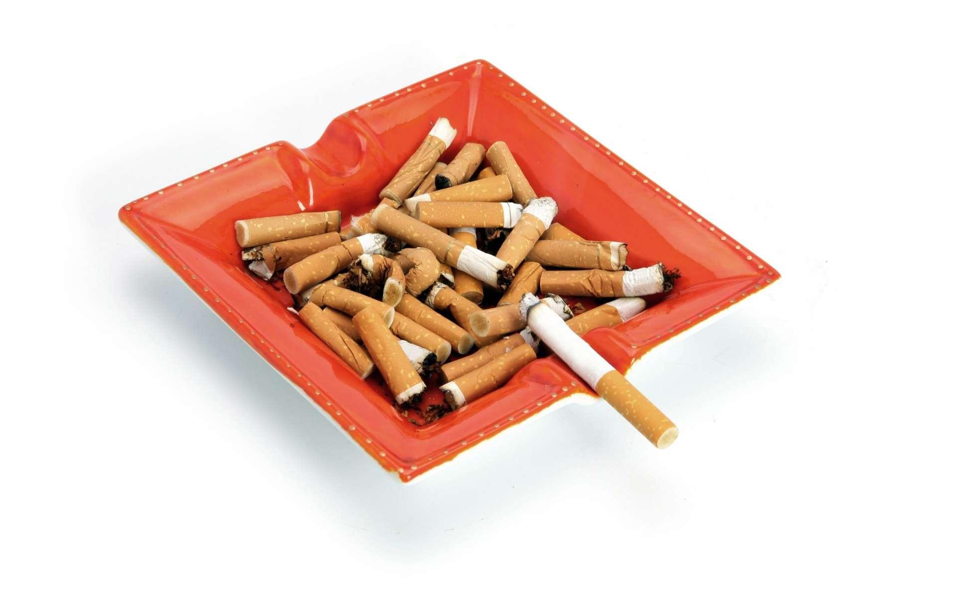 Le tabac déclenche le stress mais ne l'apaise pas, au contraire ! © Phovoir