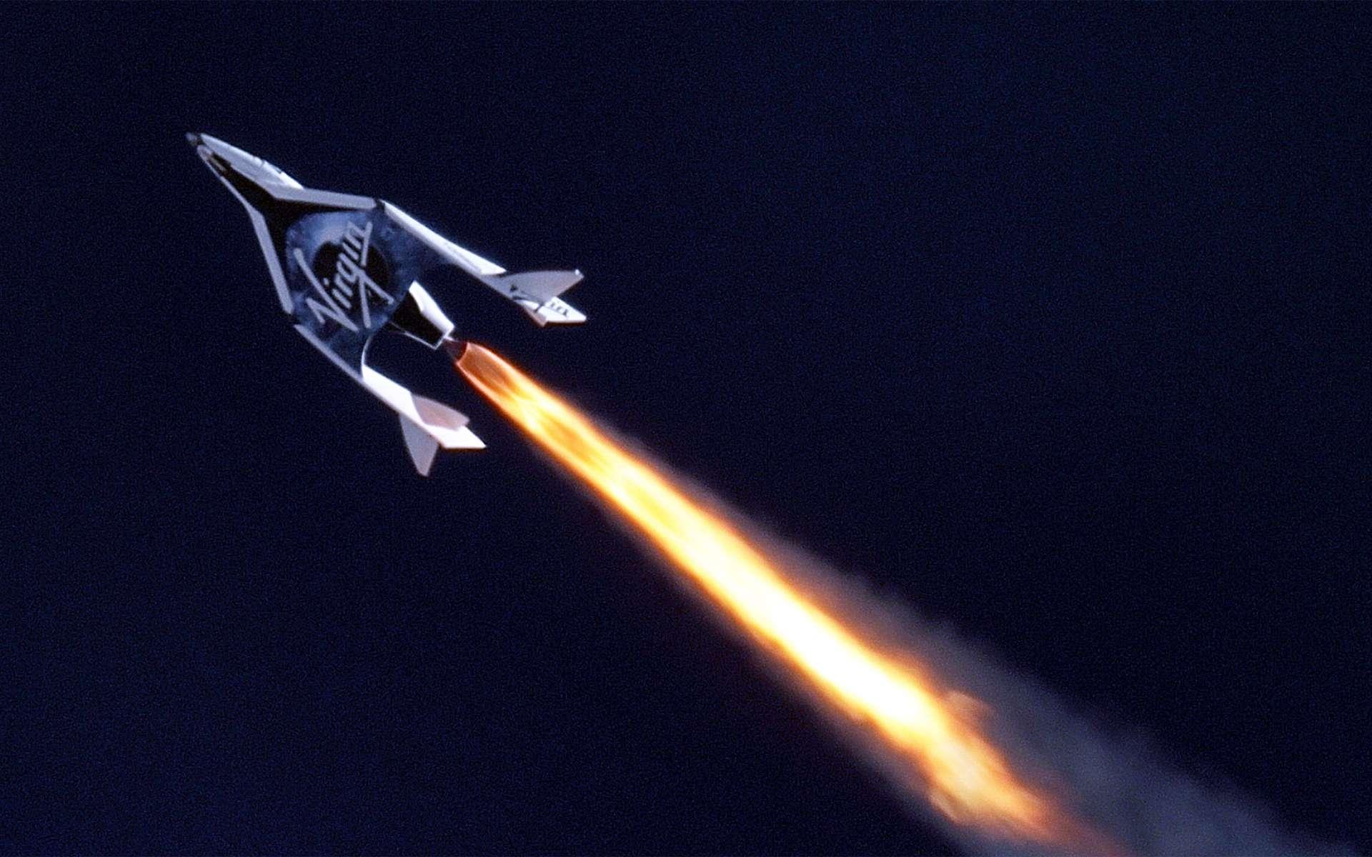 Le SpaceShipTwo de Virgin Galactic lors de son vol d'essai, qui lui a permis de franchir le mur du son. © MarsScientific.com and Clay Center Observatory