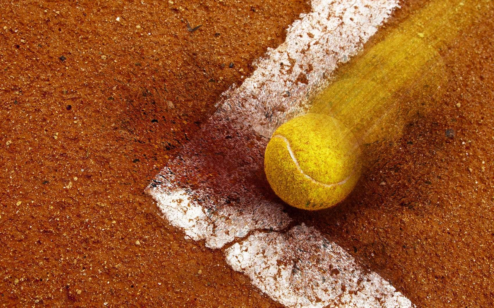 L'annonce des juges de ligne sera bientôt remplacée par celle de machines capables d'analyser précisément si la balle sort ou non. © Yves Damin, stock.adobe.com