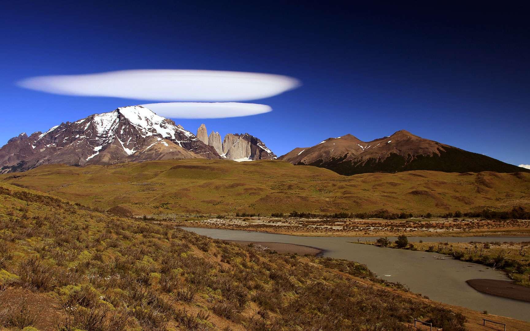 Les nuages lenticulaires : des soucoupes volantes dans le ciel