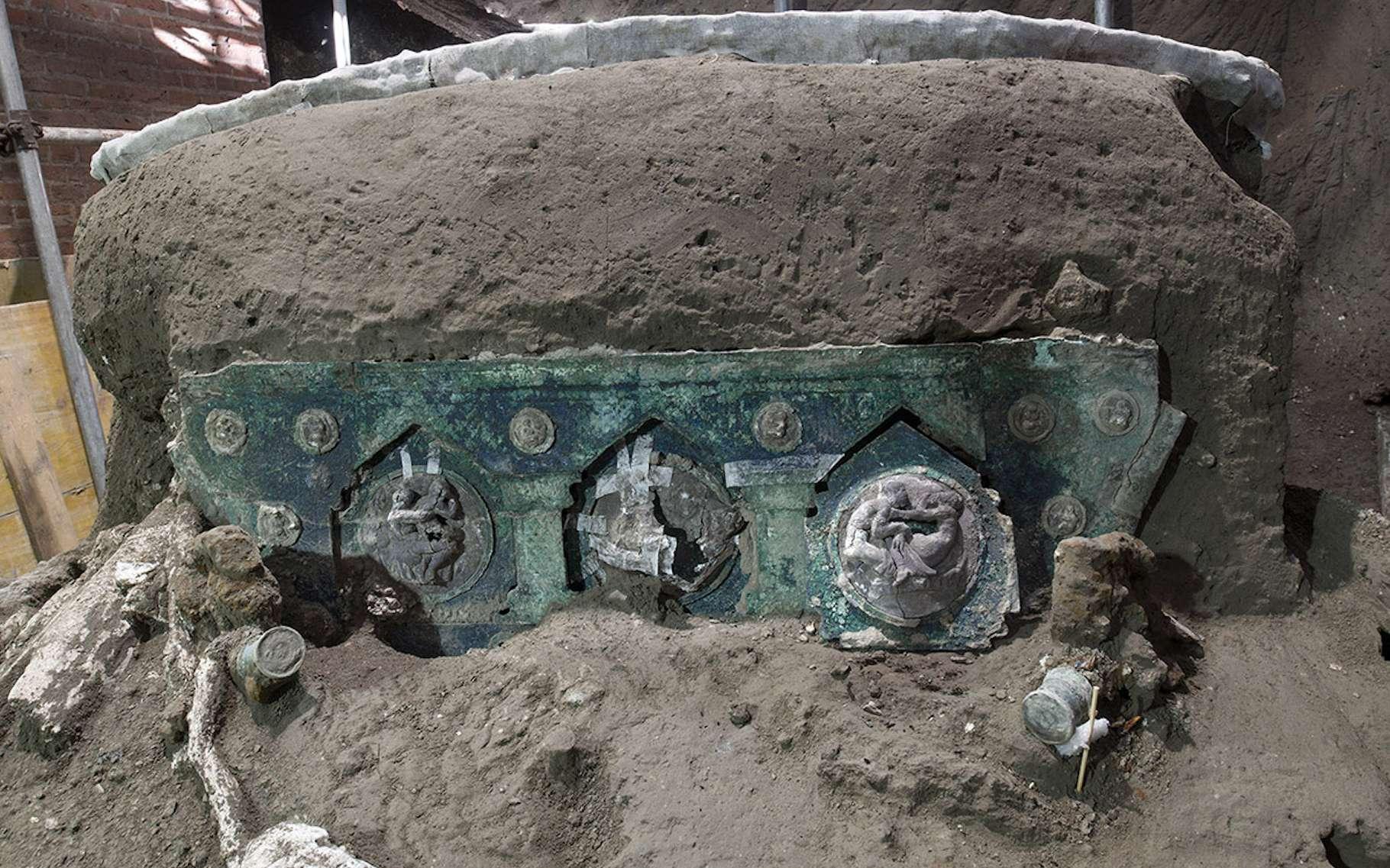C'est un char de cérémonie dans un état de conservation étonnant que des archéologues viennent de mettre à jour du côté de Pompéi (Italie). © Parc archéologique de Pompéi