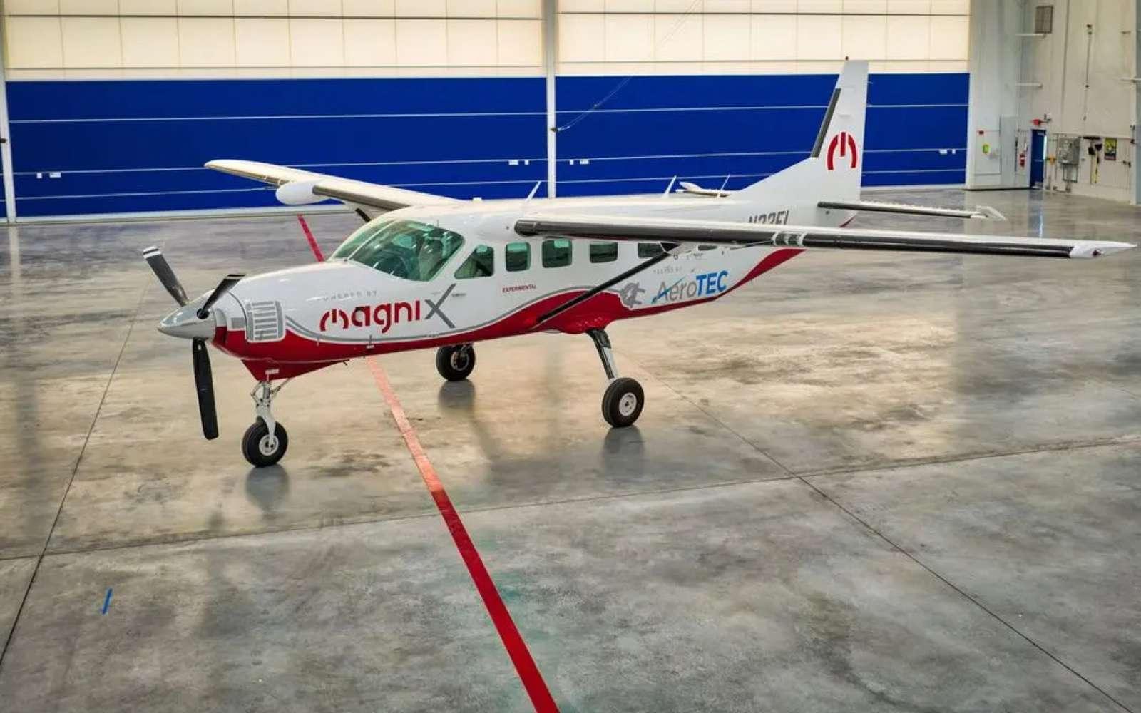 Avec son moteur de 750 chevaux alimenté par sa batterie, le Cessna Caravan aura une autonomie limitée à 160 Km. © Magnix