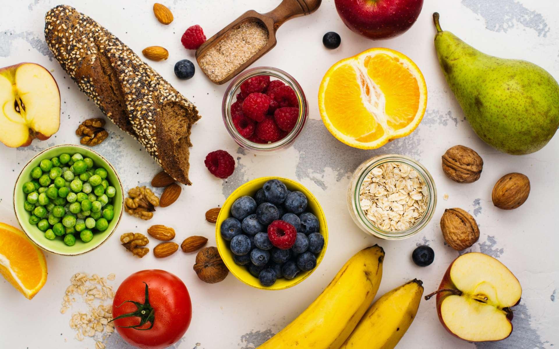 Les fibres insolubles se trouvent généralement dans la paroi de végétaux et les fibres solubles au cœur des végétaux. © happy_lark, Adobe Stock