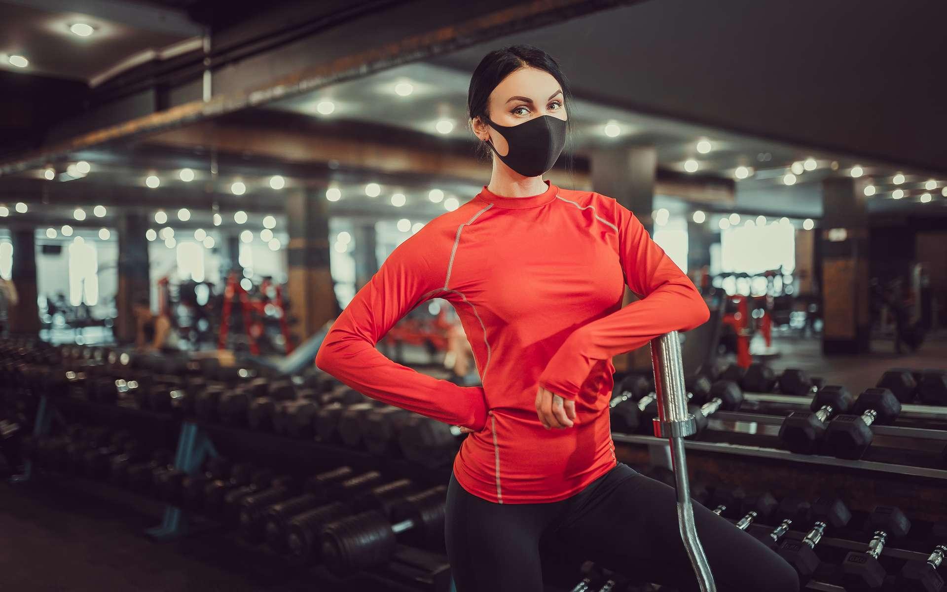 Le port du masque impacte certains paramètres liés à la performance. © Zamuruev, Adobe Stock