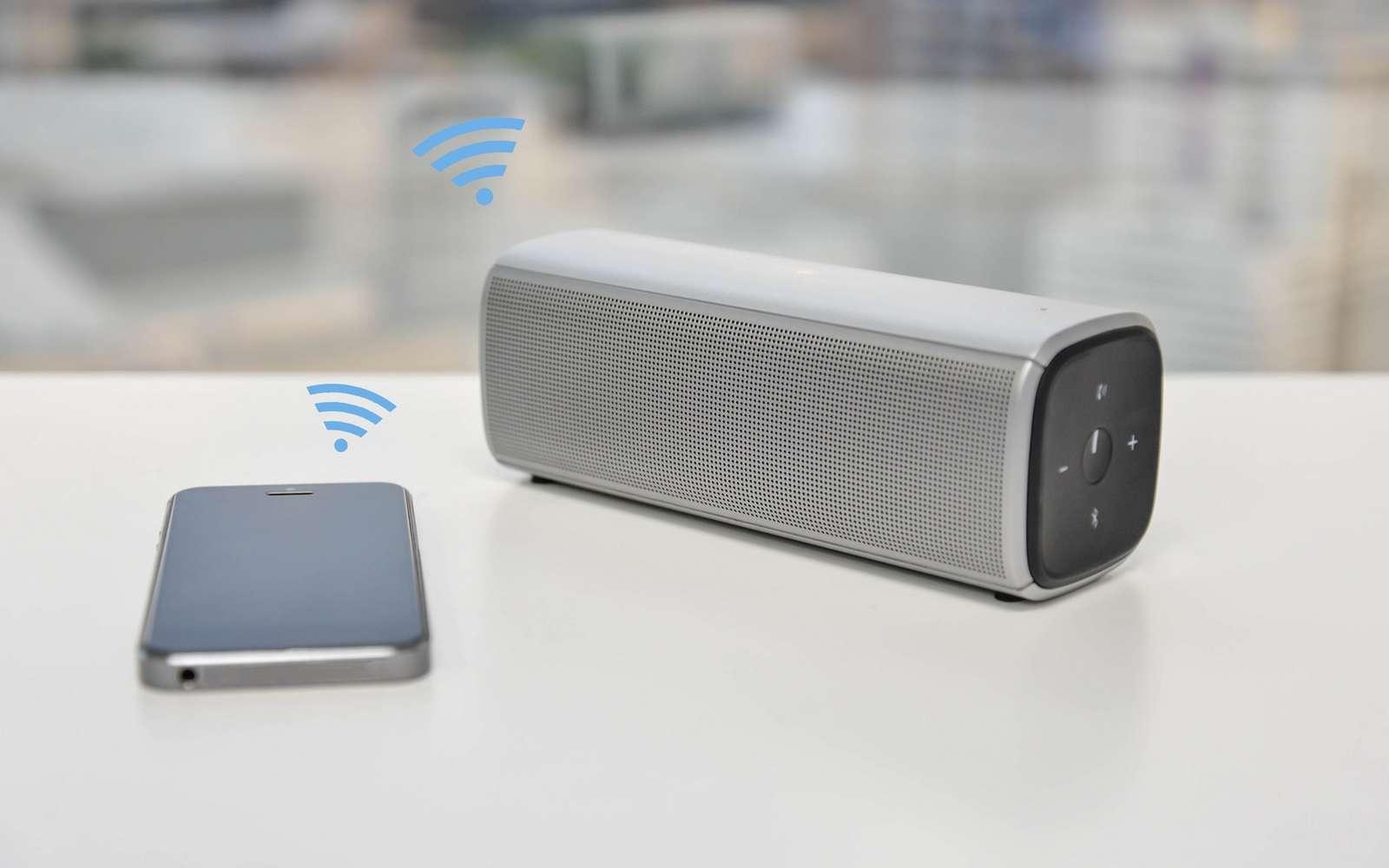 Avec le Wi-Fi, le Bluetooth est le standard de communication sans fil le plus répandu sur les terminaux mobiles, les objets connectés et les ordinateurs. © Magneticmcc, Fotolia