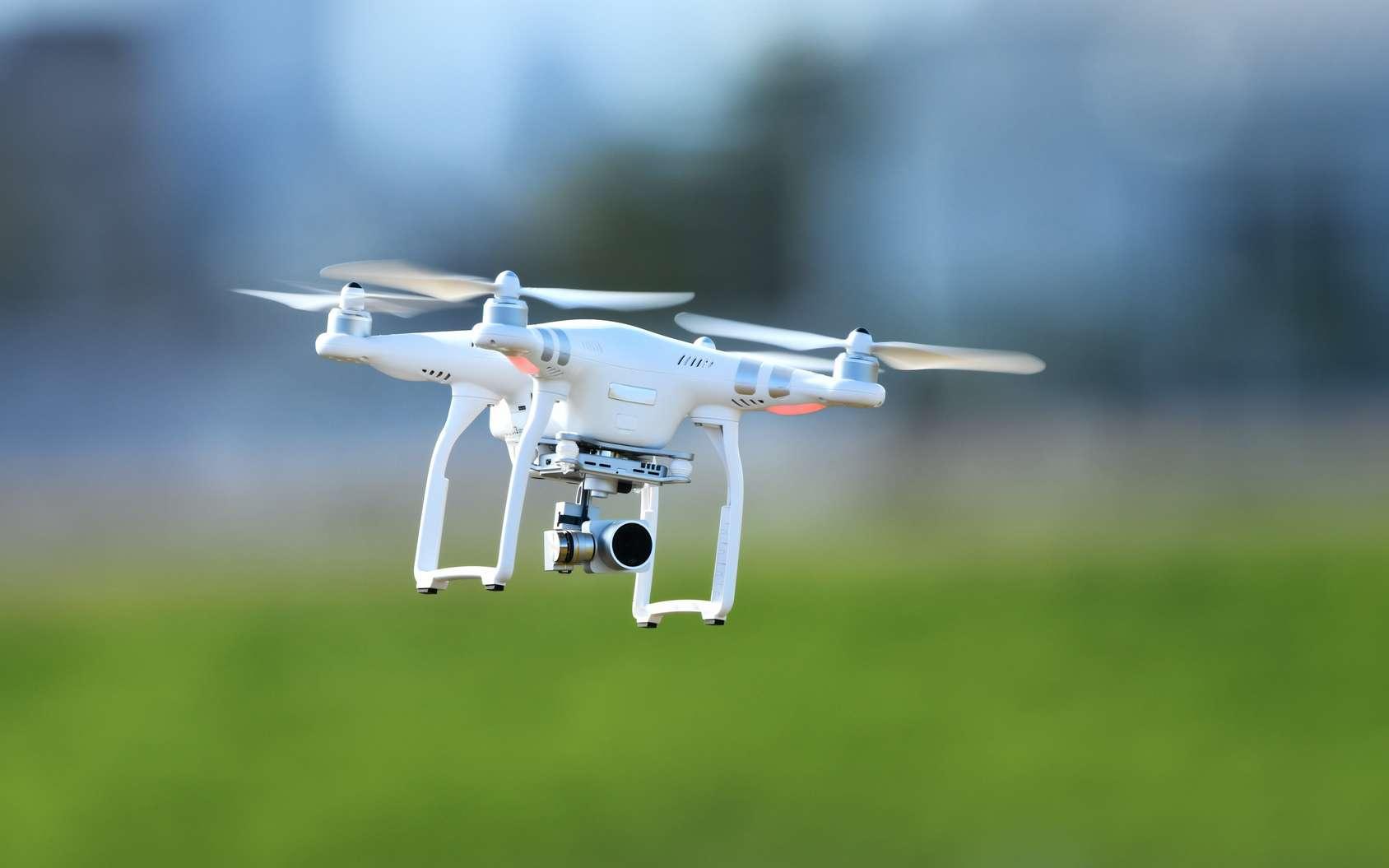 L'utilisation des drones et les dérives de plus en plus fréquentes entraîne un durcissement des lois. © dreamnikon, fotolia