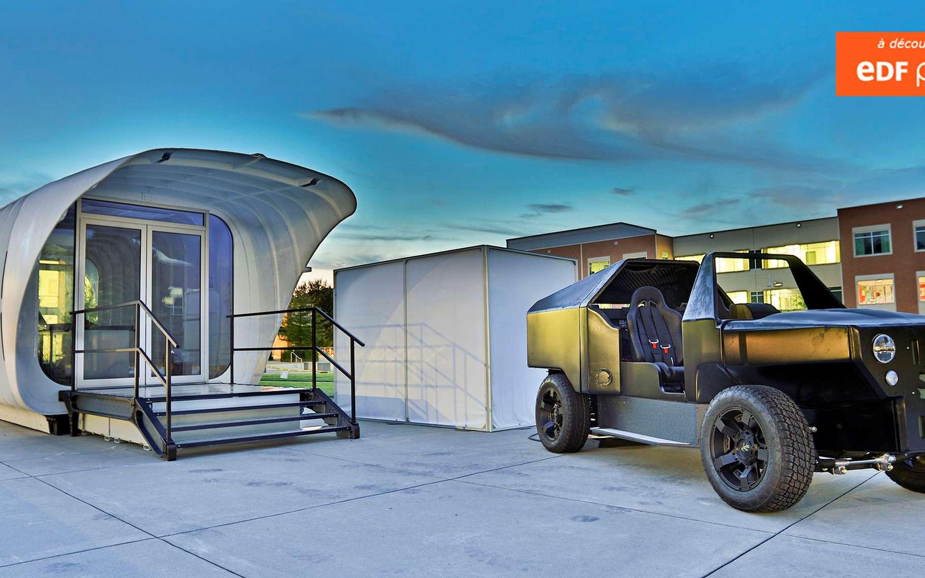 Cette petite habitation ainsi que la voiture stationnée à proximité ont été fabriquées grâce à une imprimante 3D. Le véhicule est un hybride gaz-électrique tandis que la maisonnette est alimentée par des panneaux solaires. L'un et l'autre peuvent partager leur énergie non utilisée via un système de transfert par induction. © Oak Ridge National Laboratory