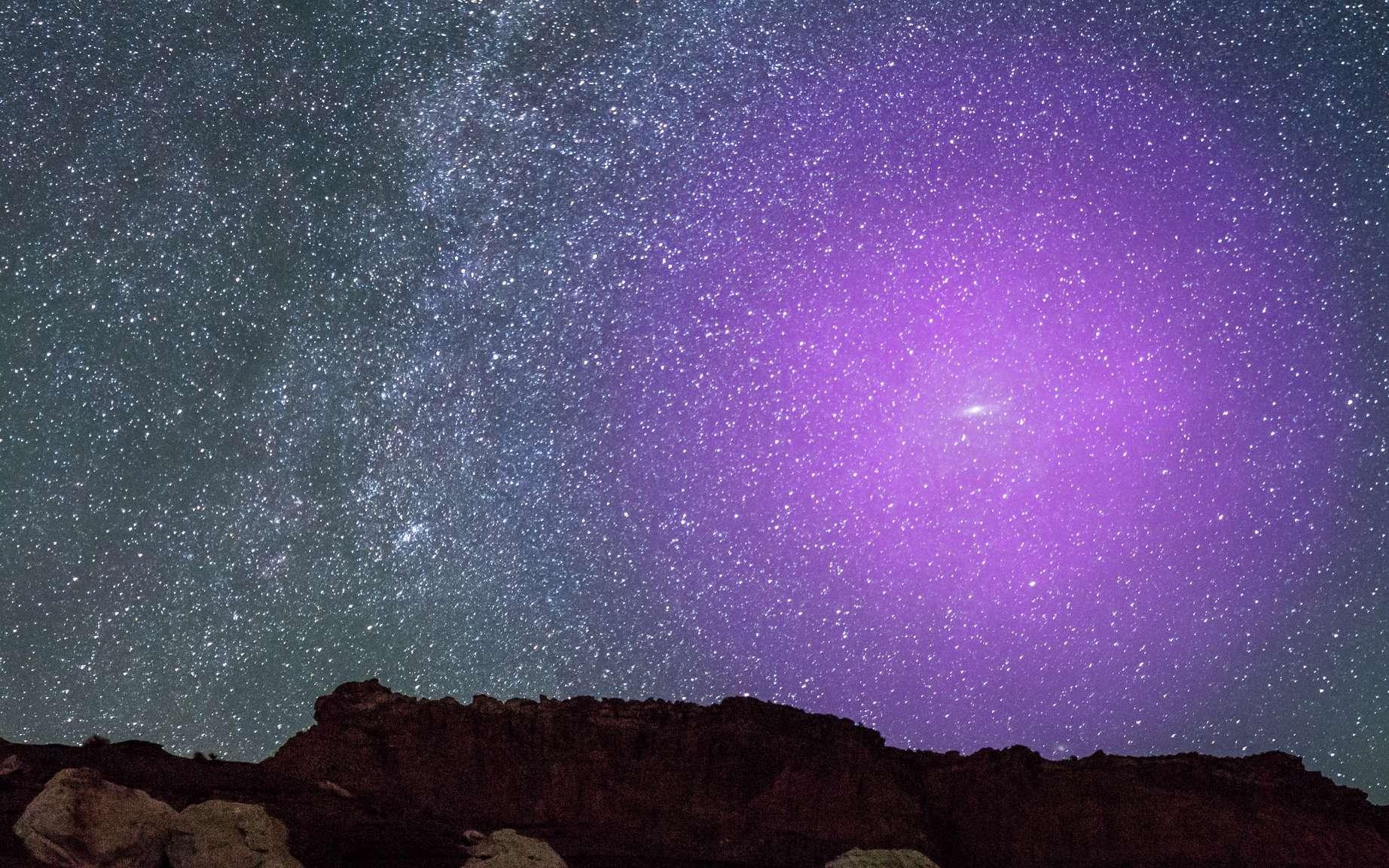 Représentation du halo de la galaxie d'Andromède et de la place qu'il occupe dans le ciel terrestre, si on pouvait le voir. © Nasa