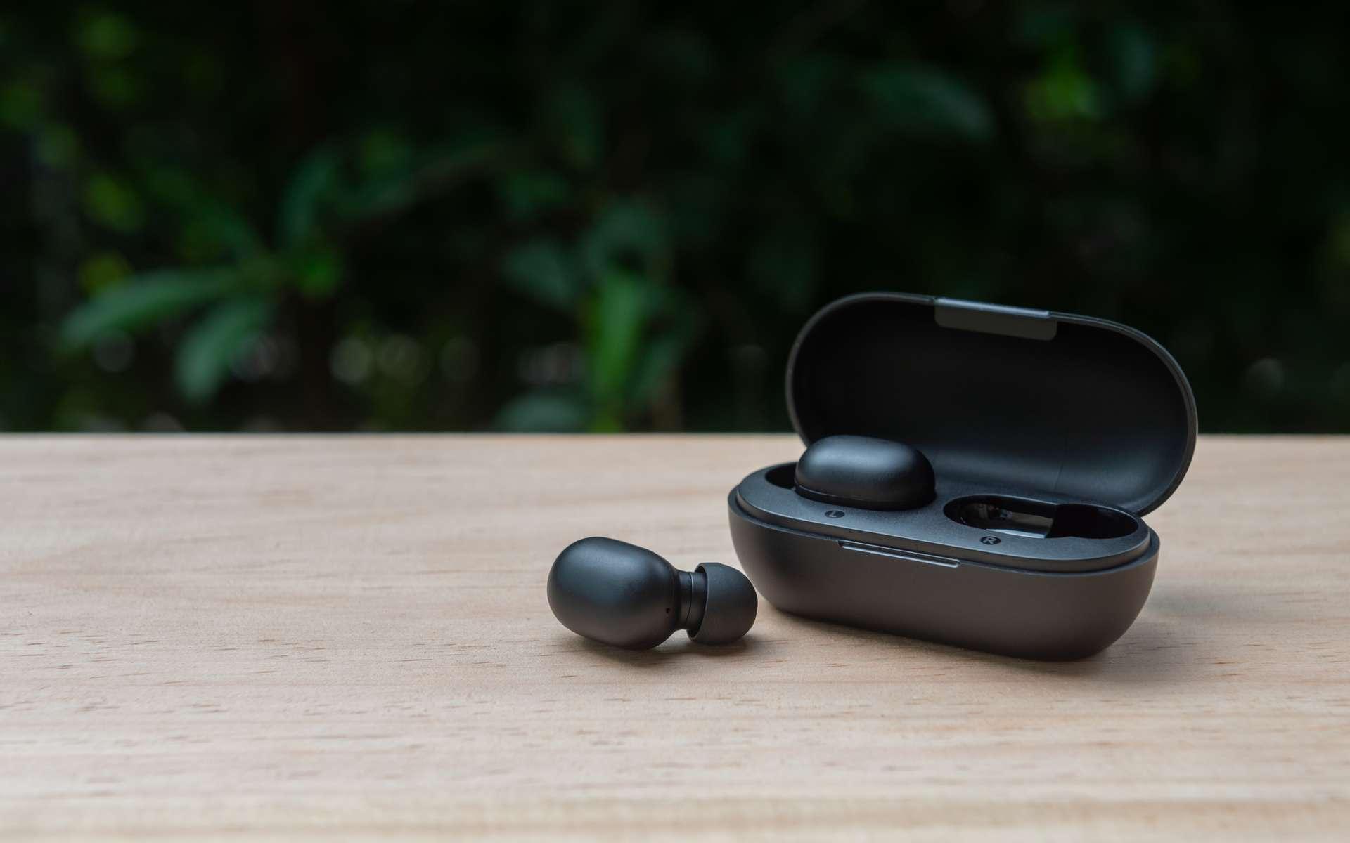 Des écouteurs puissants et plus flexibles. © magneticmcc, Adobe Stock