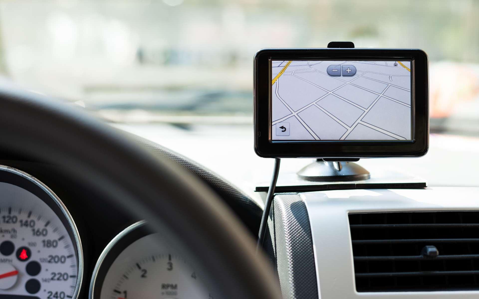 Le GPS est un système passif qui reçoit les signaux des satellites et en déduit une position. © Adobe Stock, luckybusiness