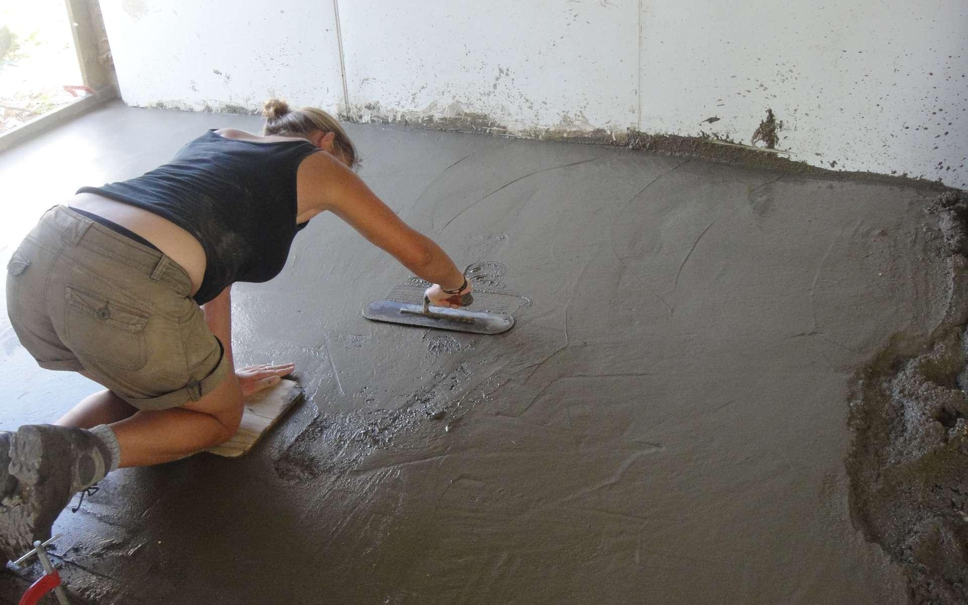 Avant le ragréage, il faut que le sol soit sain et sec. © EDV Media director, Flickr, CC BY 2.0