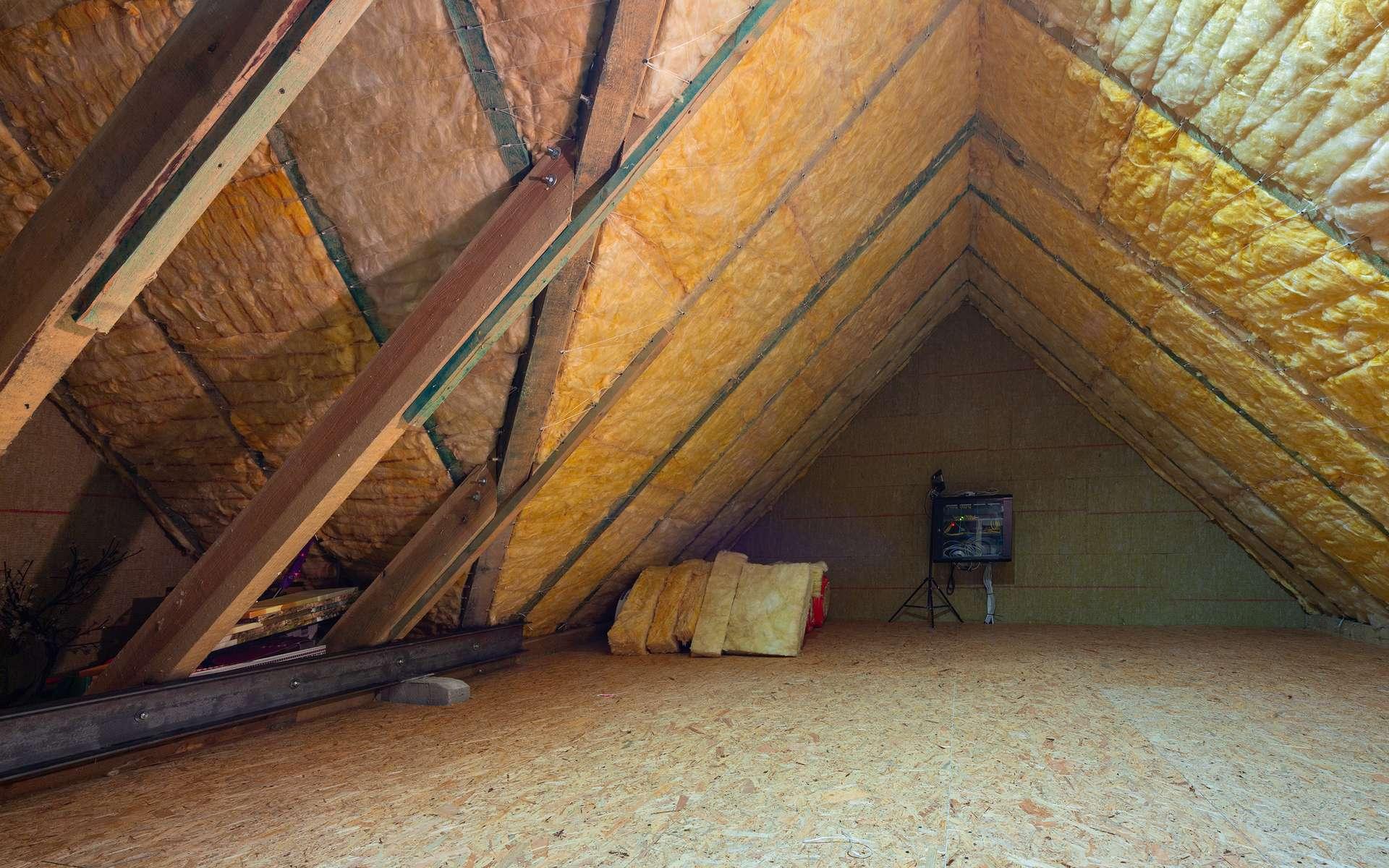 Isolation thermique des combles d'une maison. ©Patryk Kosmider, Adobe Stock