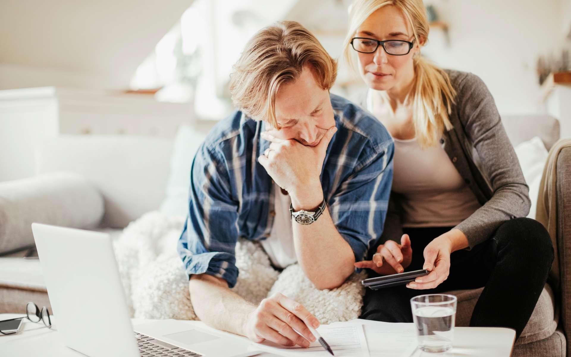 Une attestation et deux justificatifs sont à télécharger pour avoir la possibilité de sortir de chez soi pendant ce reconfinement. © Geber86, IStock.com