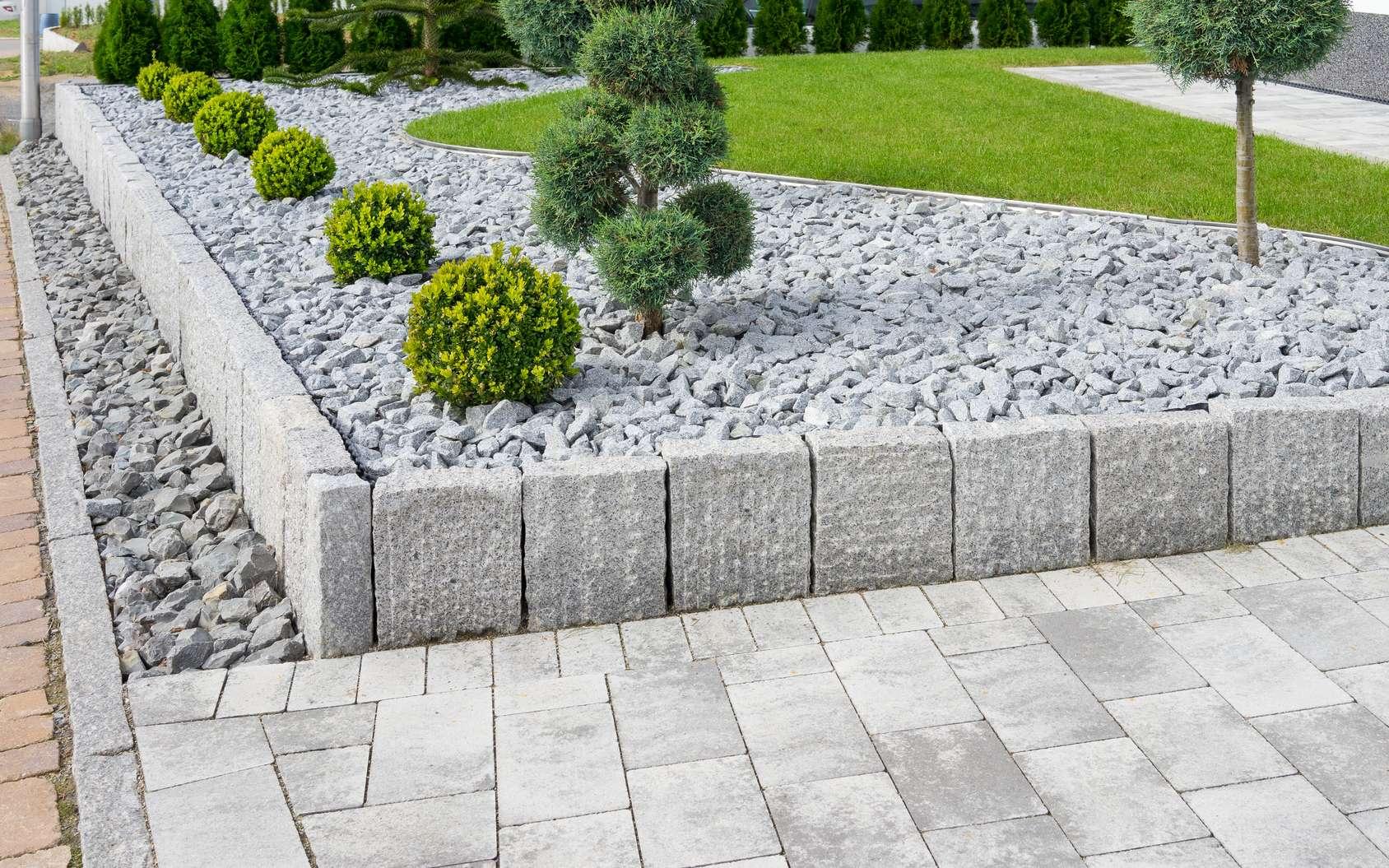 Comment faire une rocaille qui s'harmonise avec le jardin. © Ell brown, Flickr, CC BY 2.0